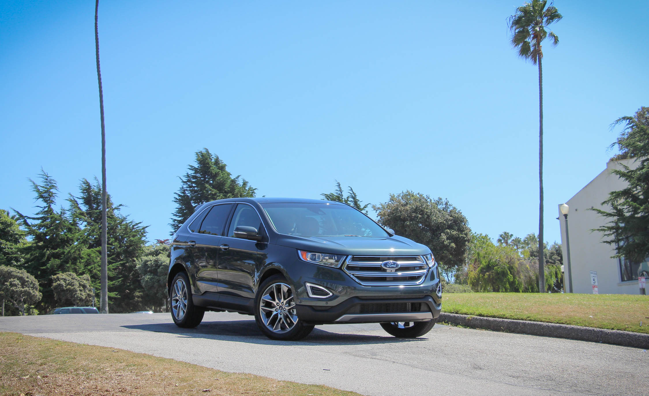 2015 Ford Edge  (Photo 3 of 19)