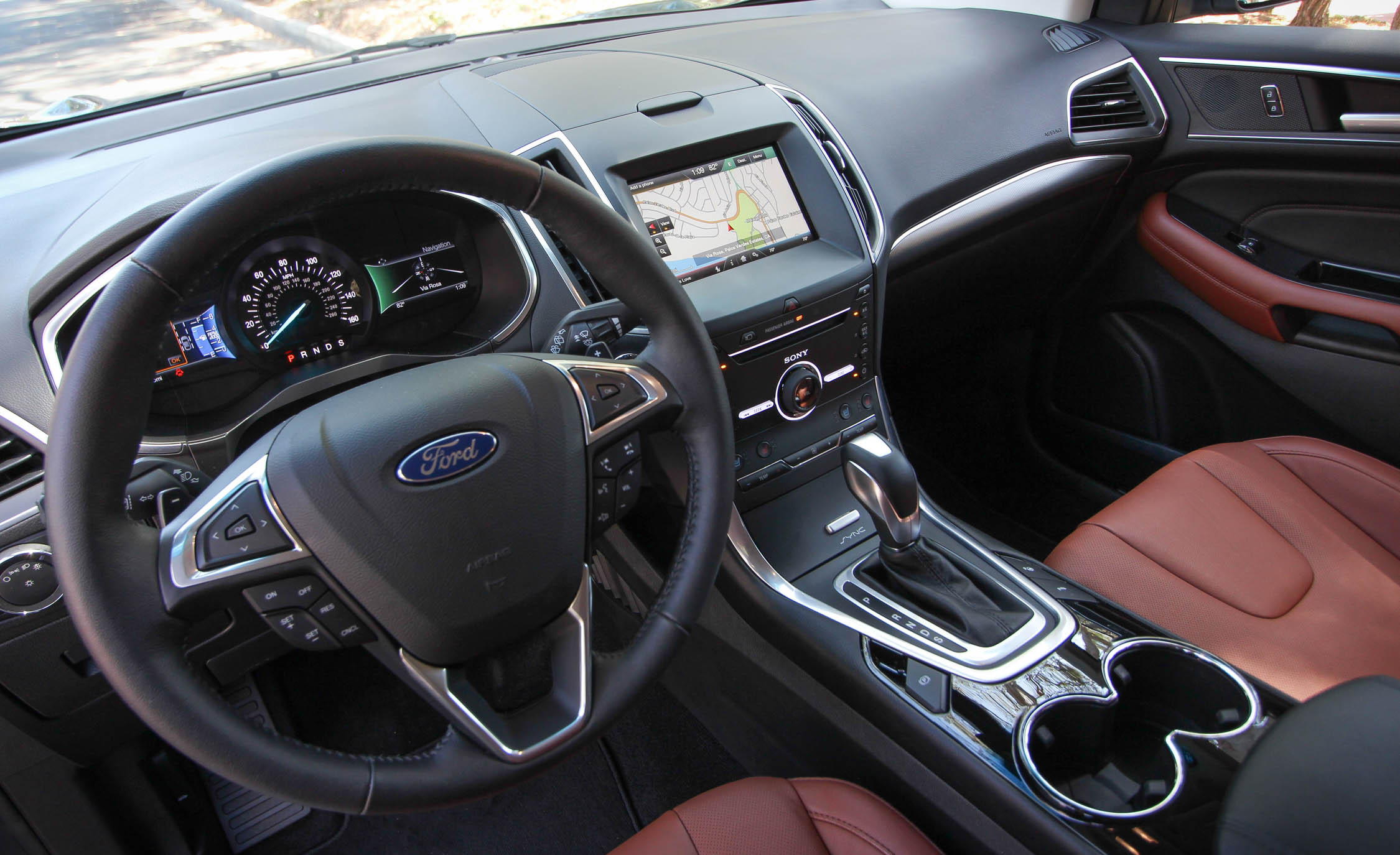2015 Ford Edge  (Photo 14 of 19)