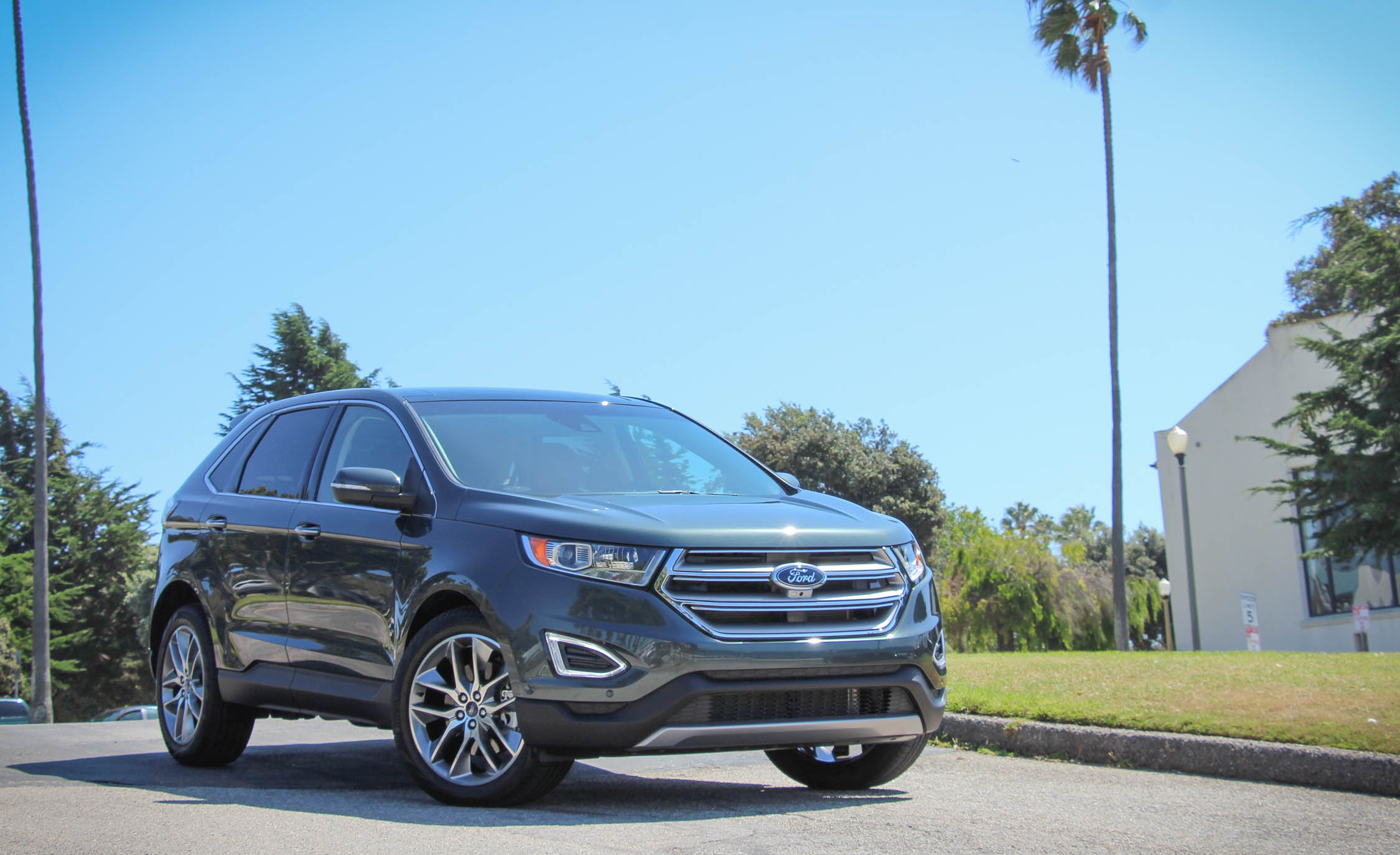 2015 Ford Edge  (Photo 4 of 19)