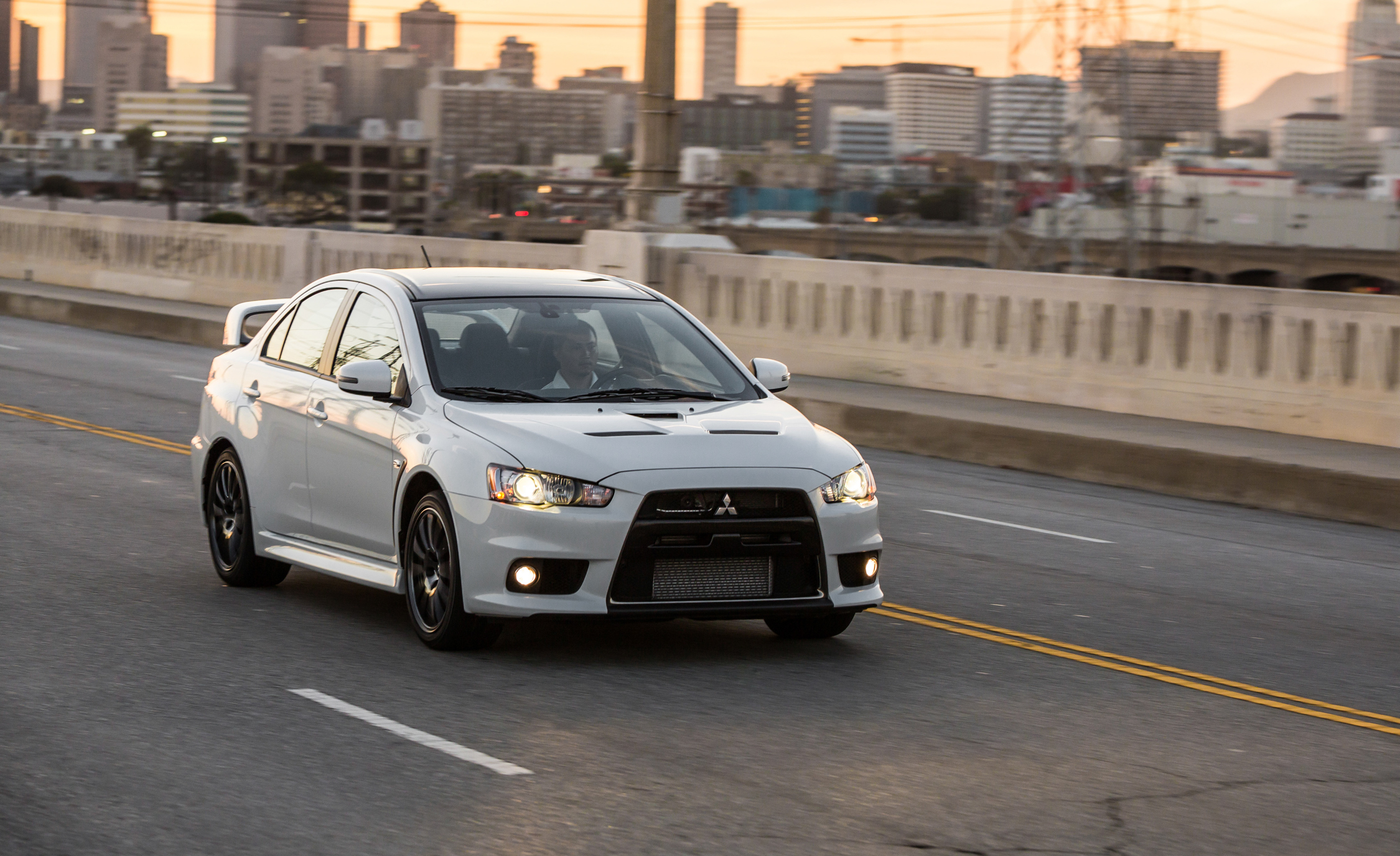 2015 Mitsubishi Lancer Evolution Final Edition (Photo 14 of 15)