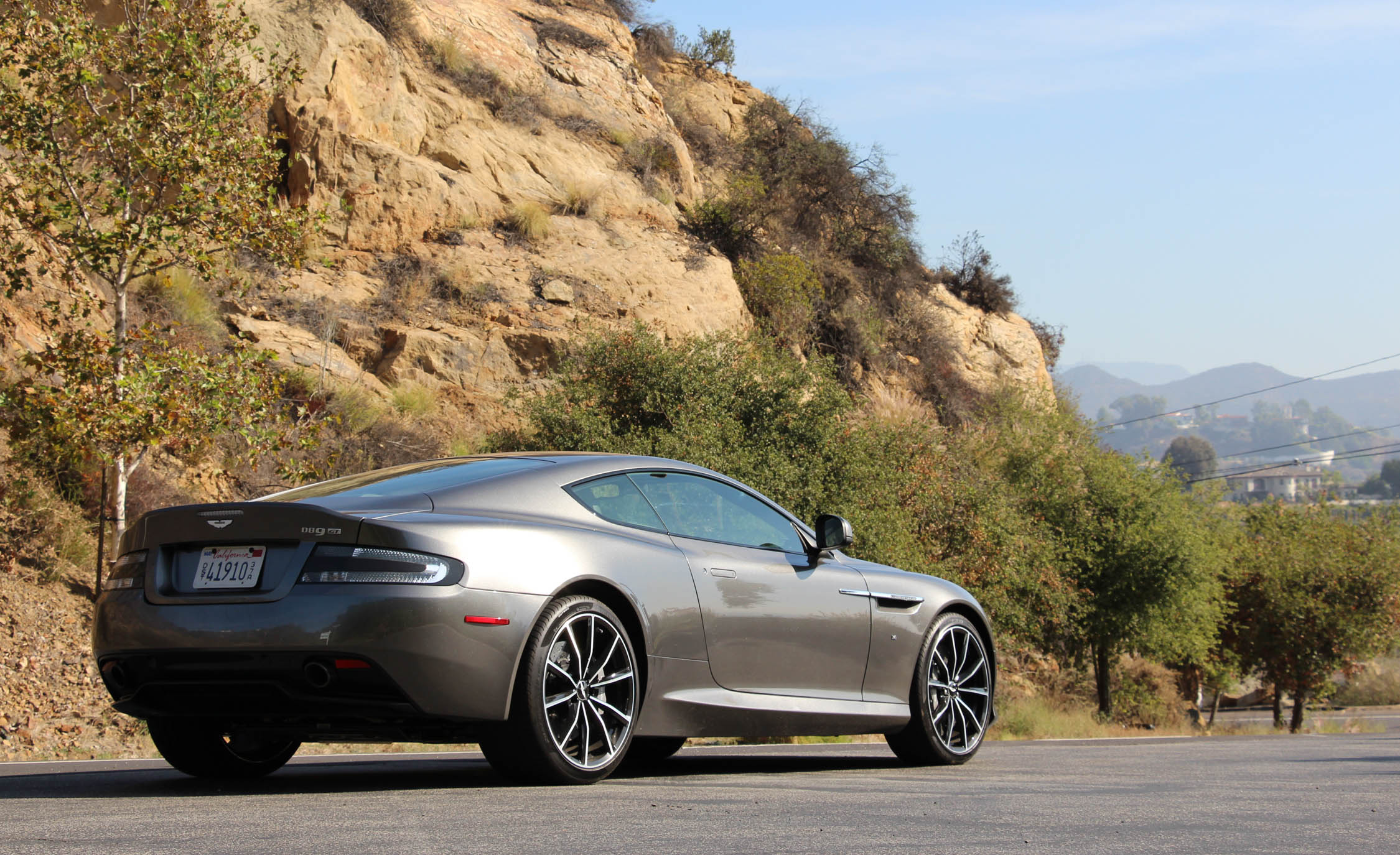 2016 Aston Martin DB9 GT (Photo 1 of 18)