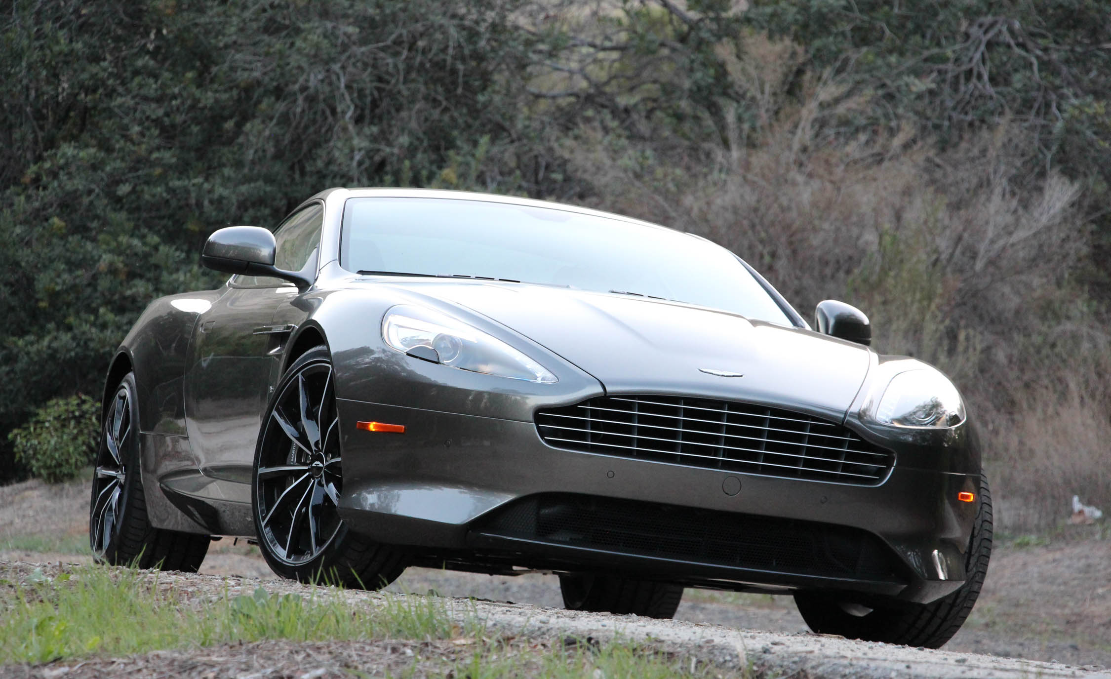 2016 Aston Martin DB9 GT (Photo 9 of 18)
