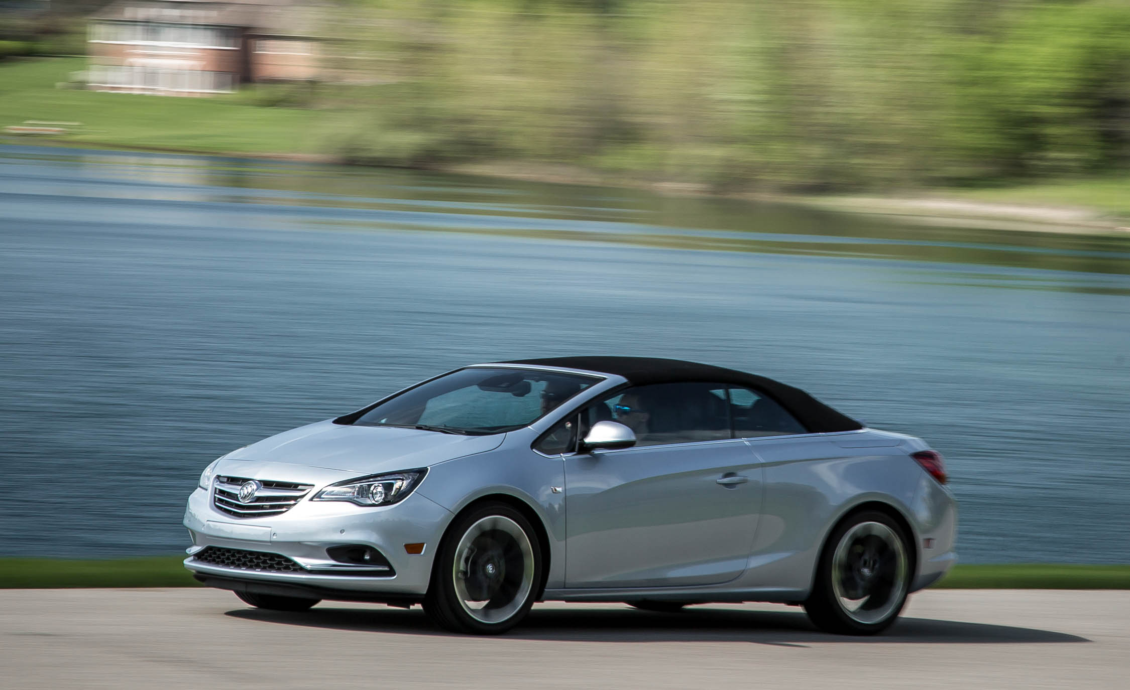 Featured Image of 2016 Buick Cascada