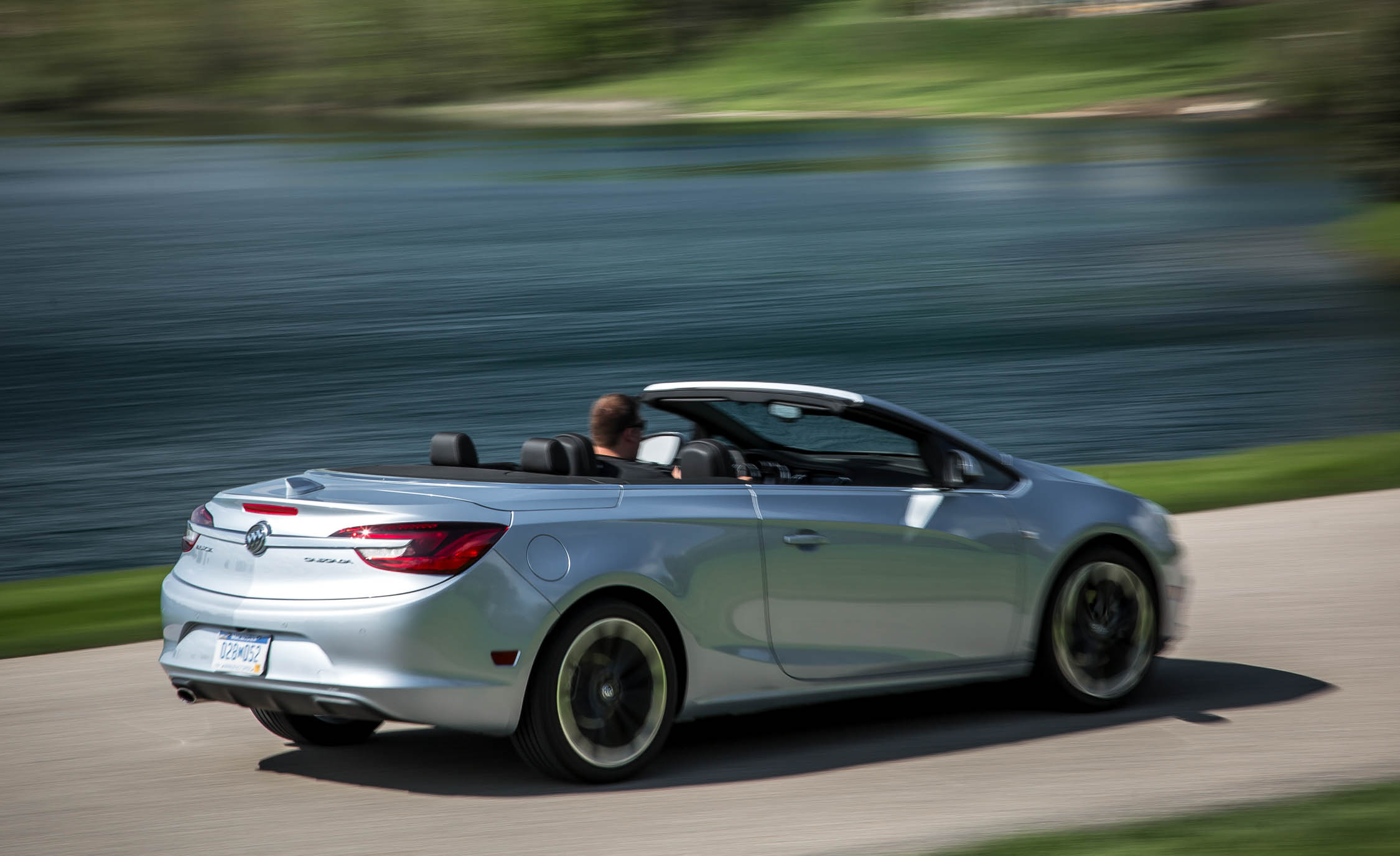 2016 Buick Cascada Premium (Photo 14 of 24)