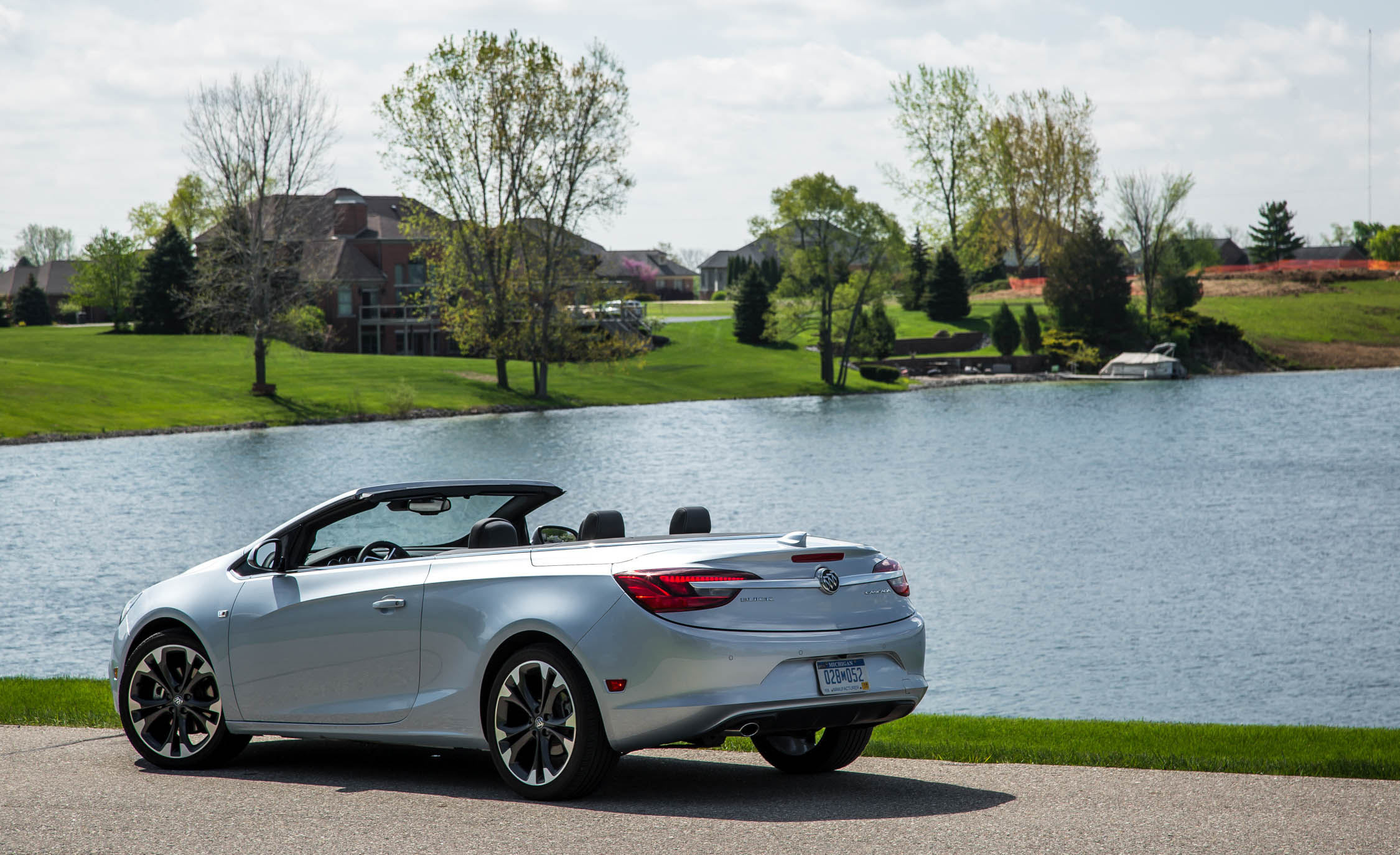 2016 Buick Cascada Premium (Photo 3 of 24)