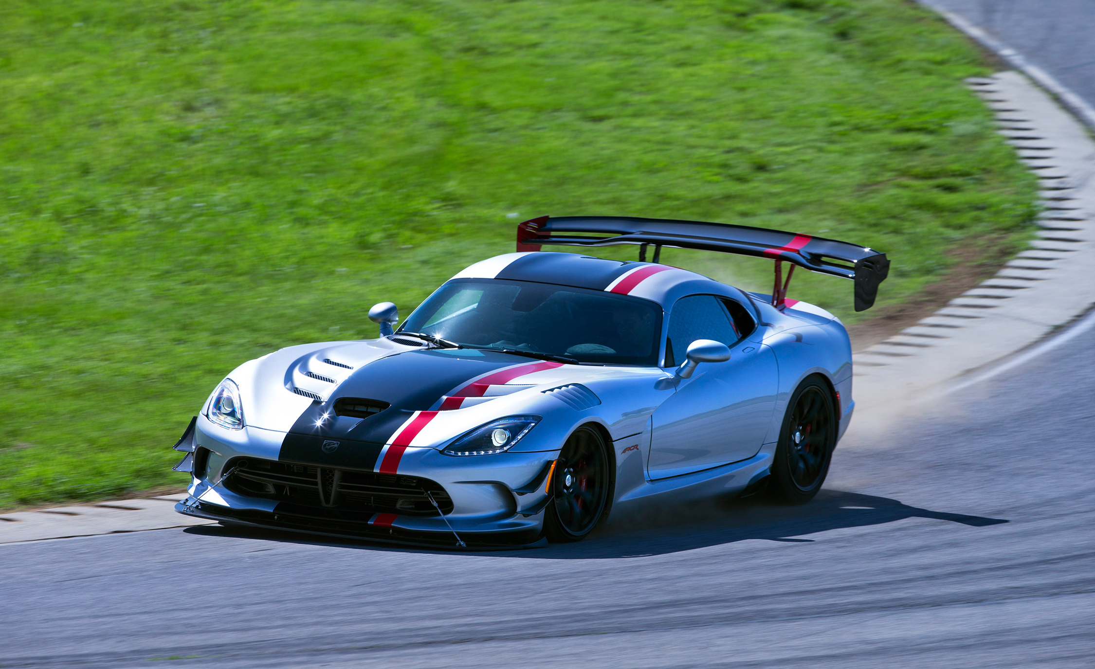2016 Dodge Viper ACR (Photo 27 of 29)