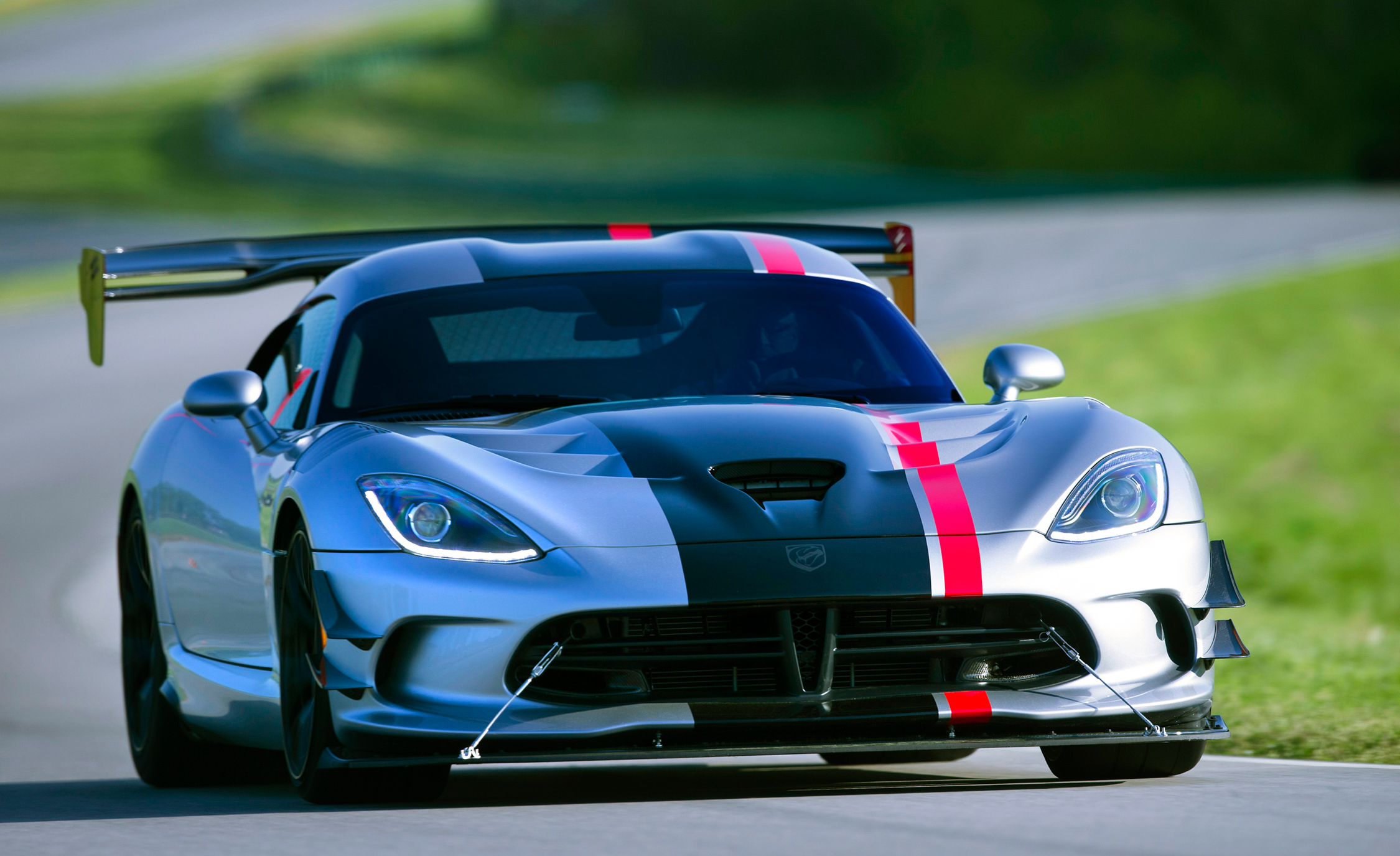 2016 Dodge Viper ACR (Photo 24 of 29)
