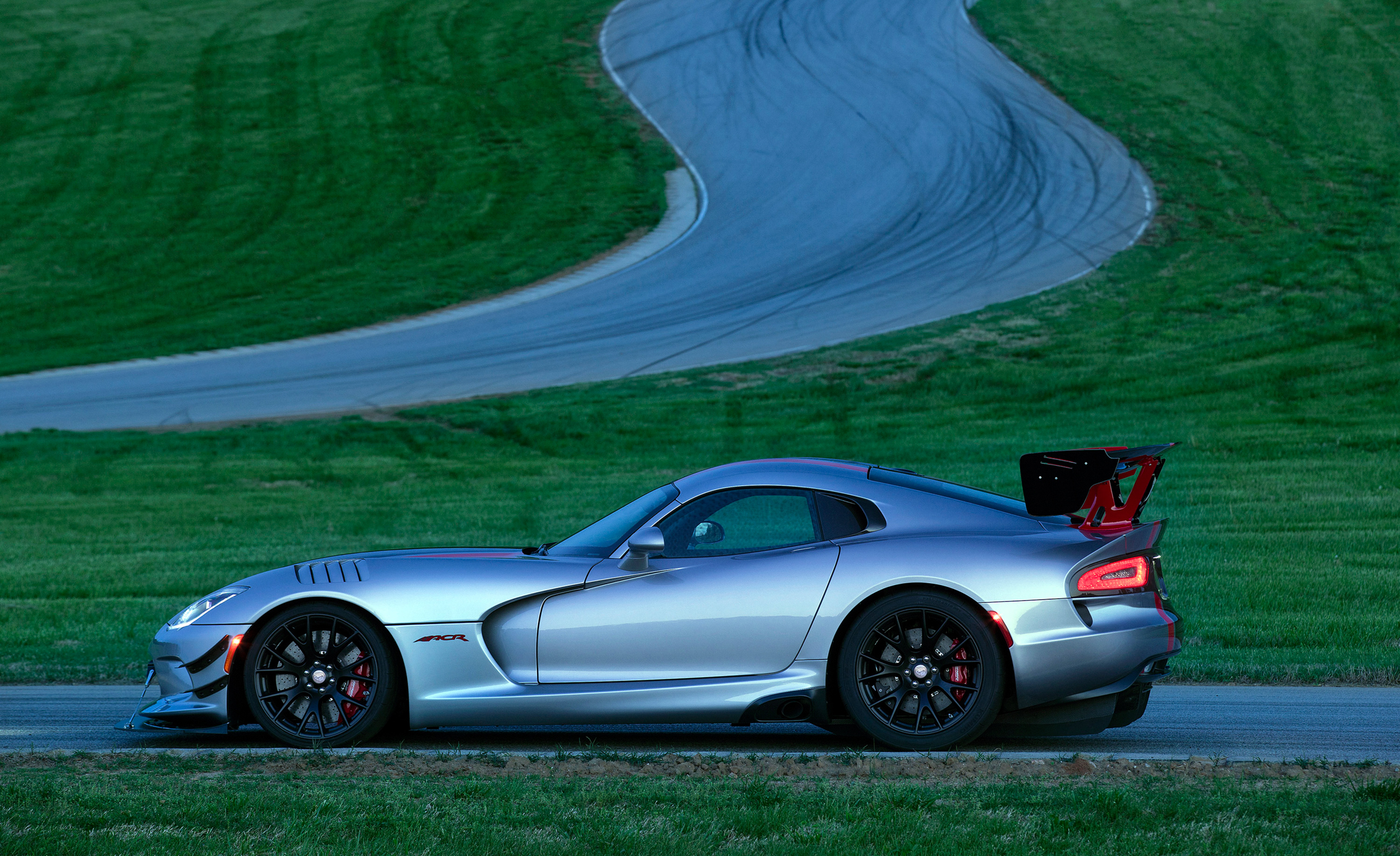 2016 Dodge Viper ACR (Photo 11 of 29)
