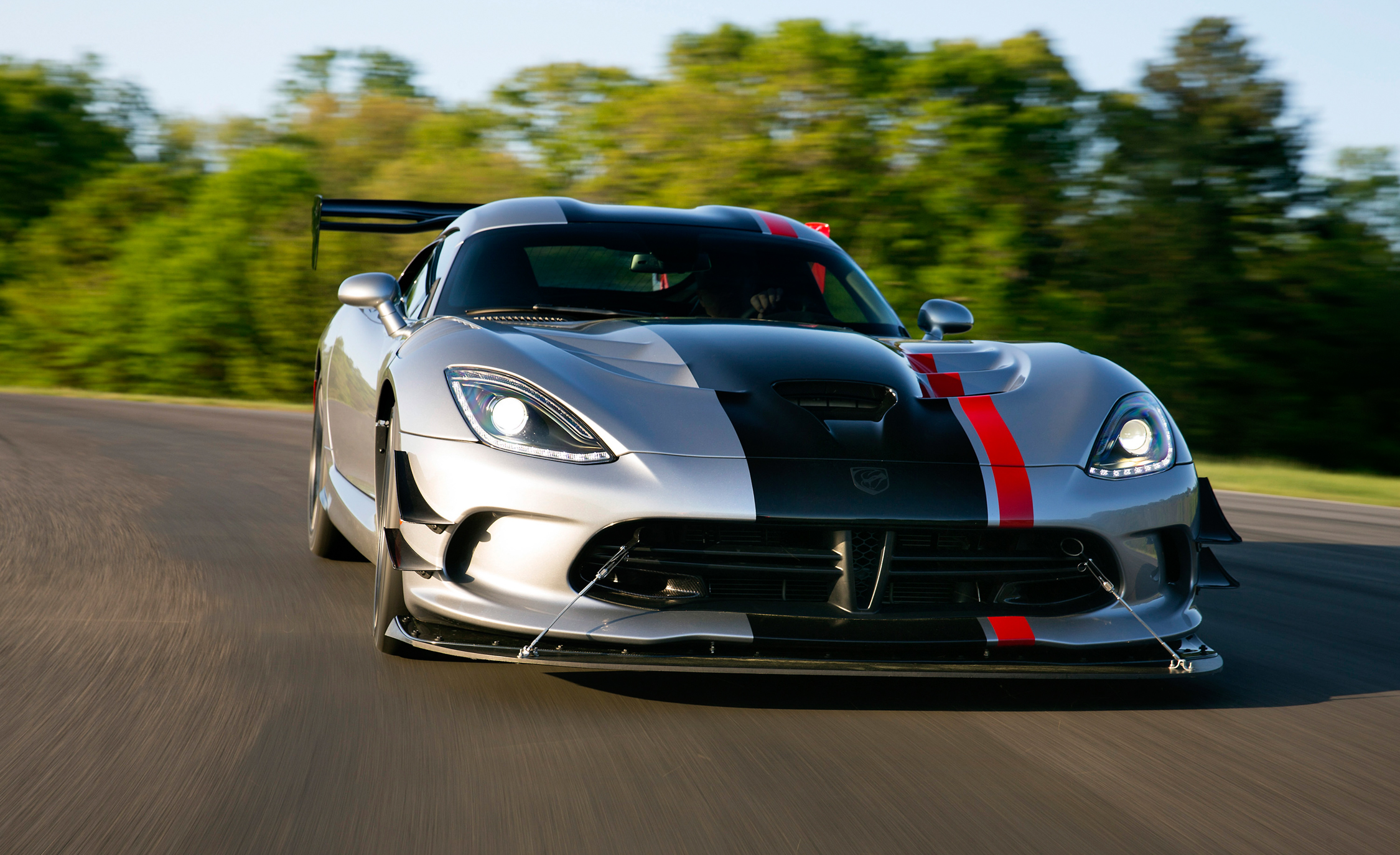 2016 Dodge Viper ACR (Photo 22 of 29)