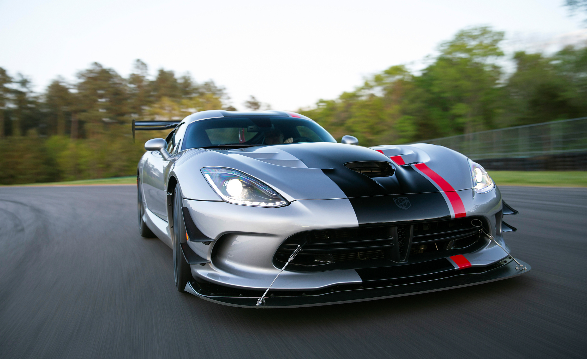 2016 Dodge Viper ACR (Photo 23 of 29)