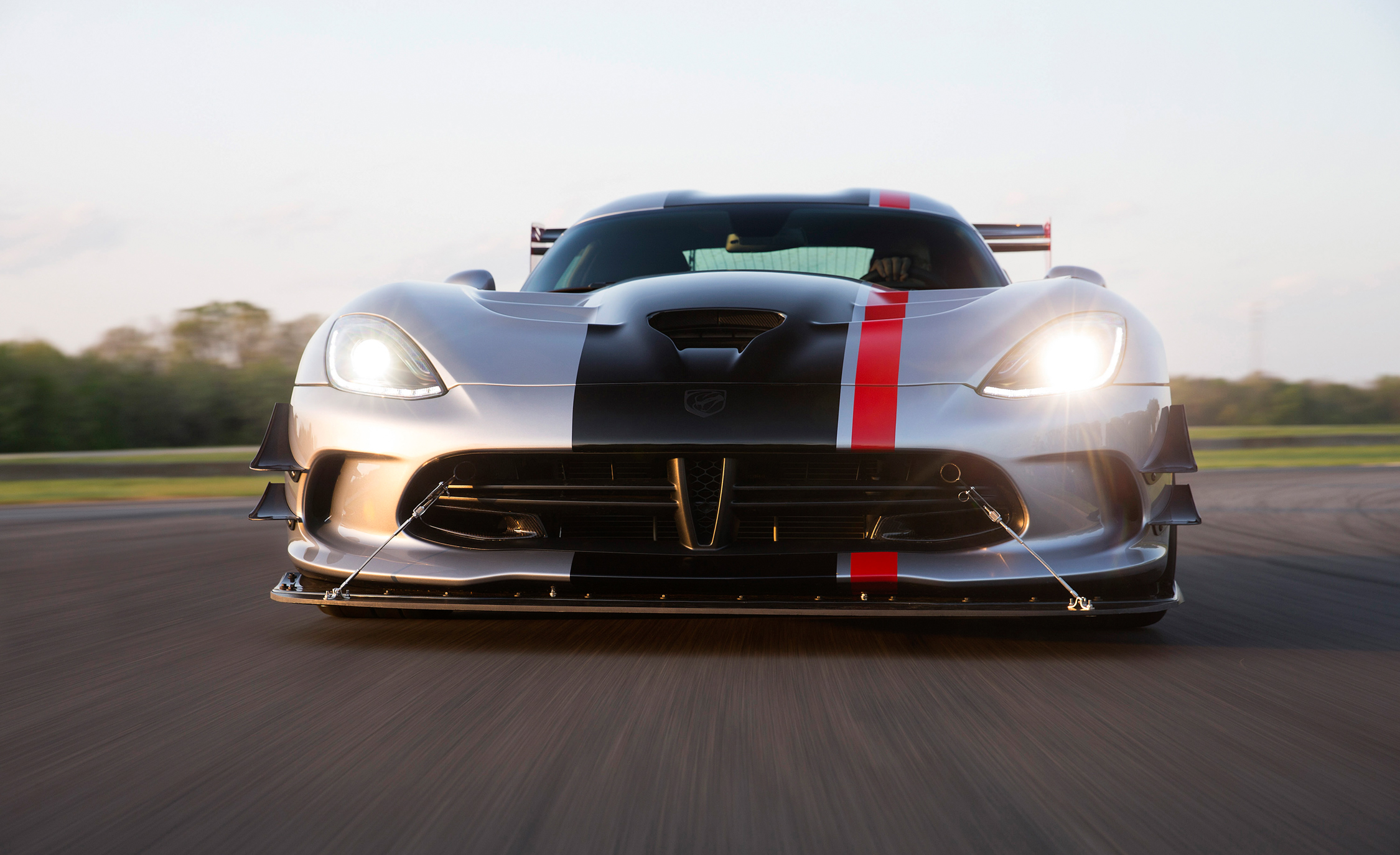 2016 Dodge Viper ACR (Photo 19 of 29)