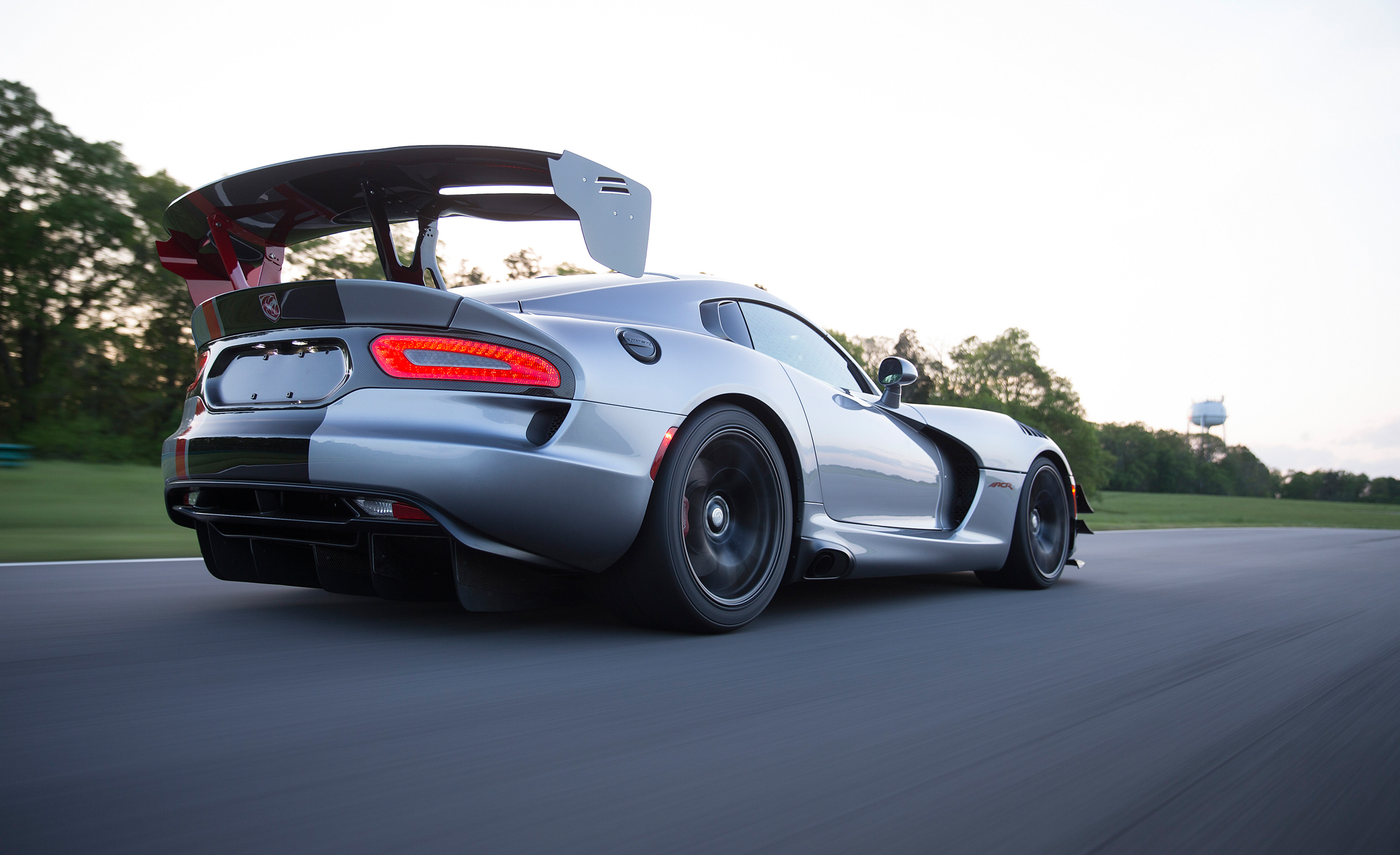 2016 Dodge Viper ACR (Photo 16 of 29)