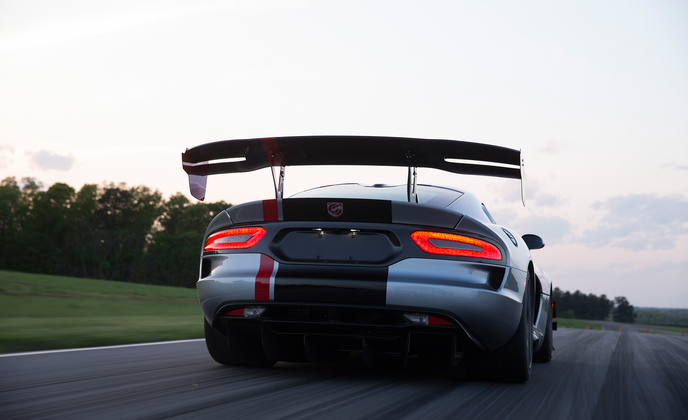 2016 Dodge Viper ACR (Photo 15 of 29)