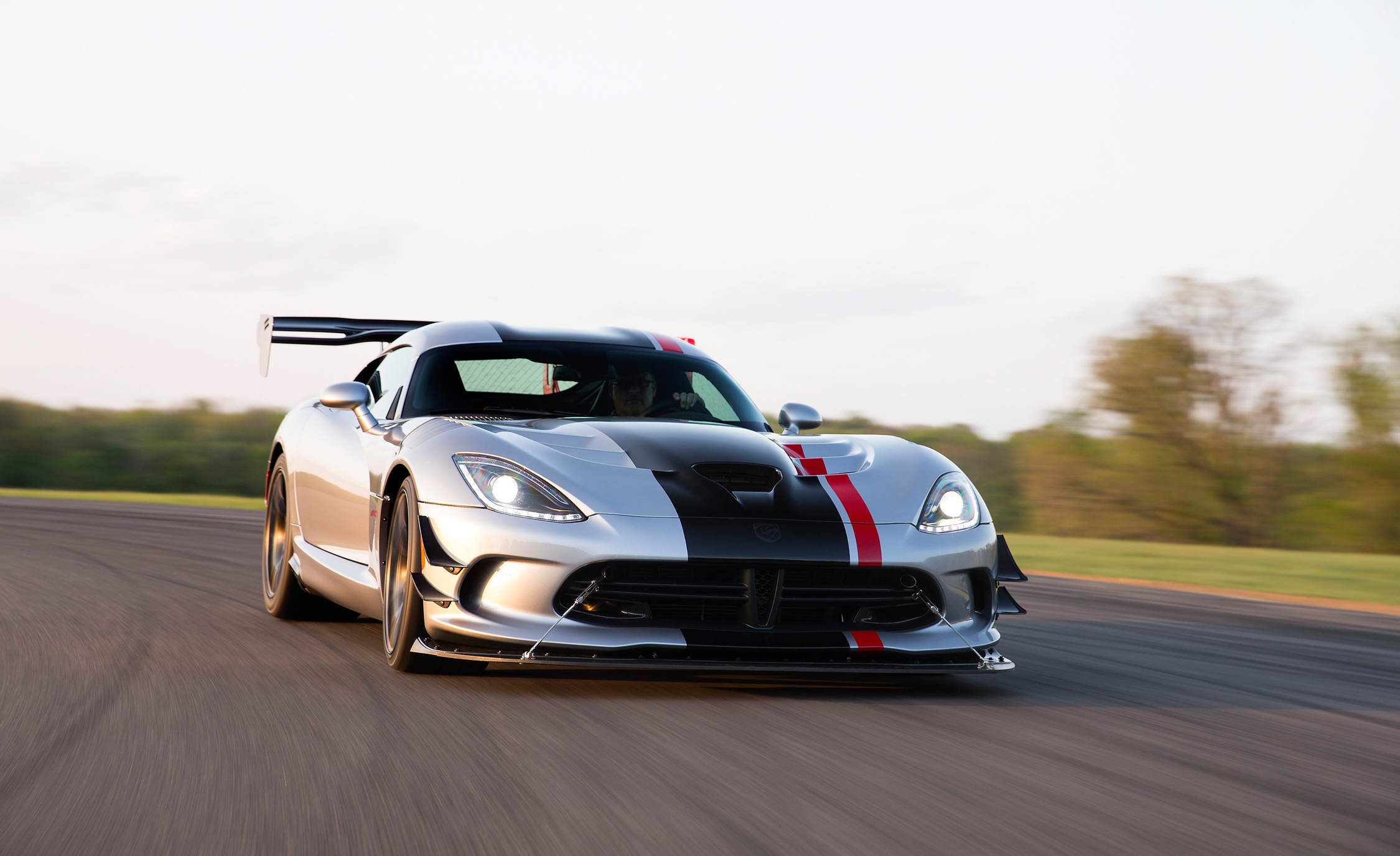 2016 Dodge Viper ACR (Photo 20 of 29)