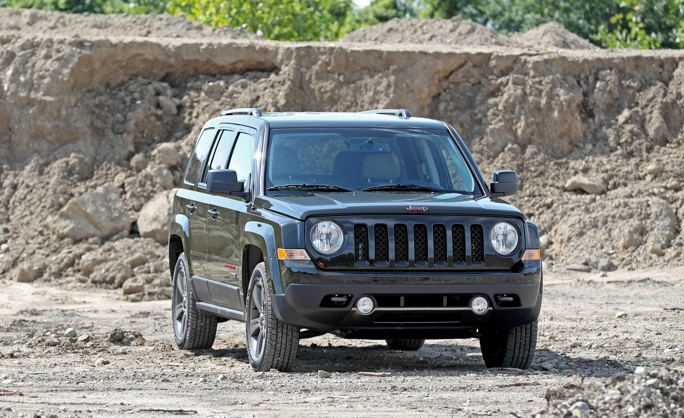 2016 Jeep Patriot Exterior Front And Side (Photo 3 of 27)