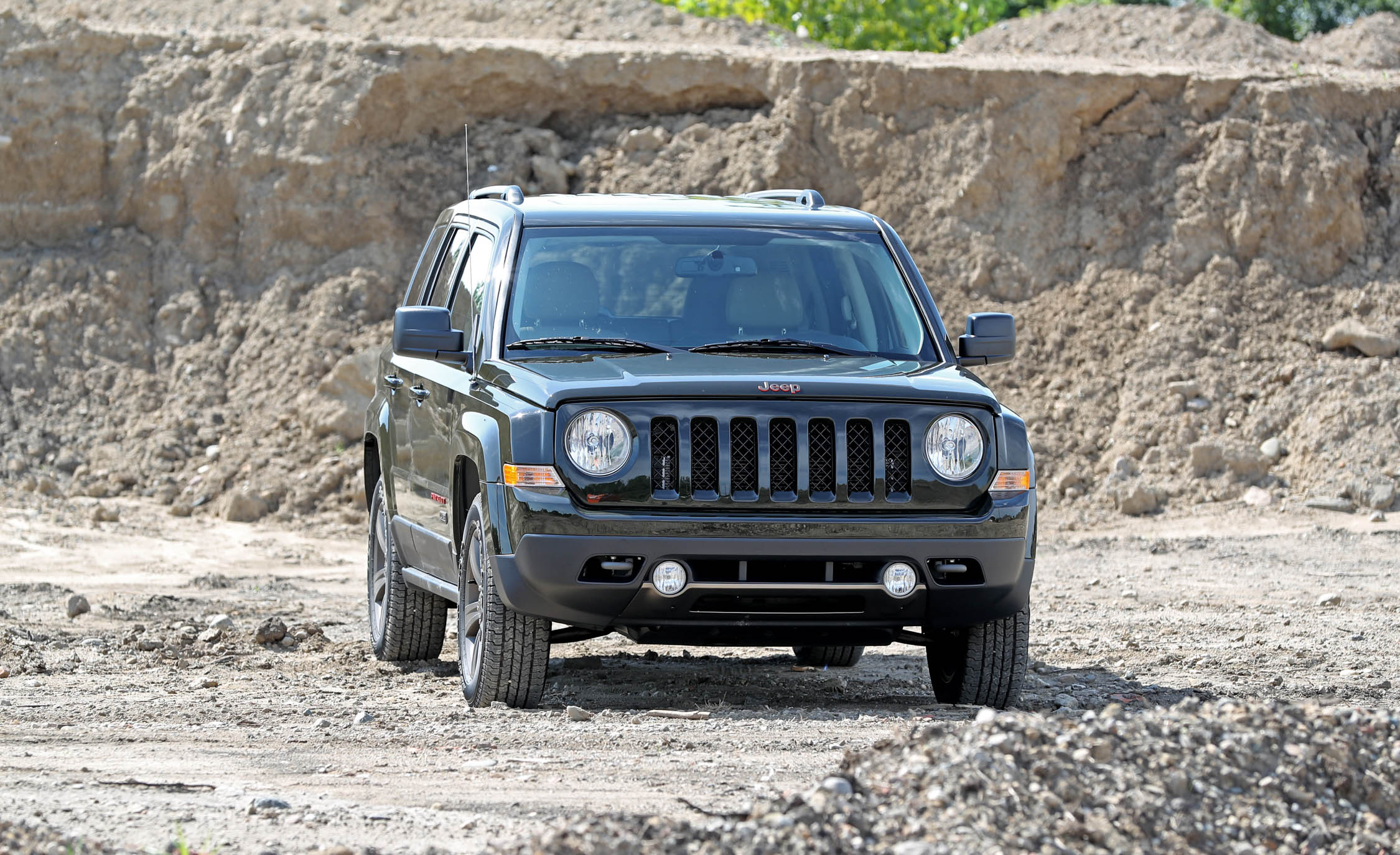 2016 Jeep Patriot Exterior Front End (Photo 4 of 27)