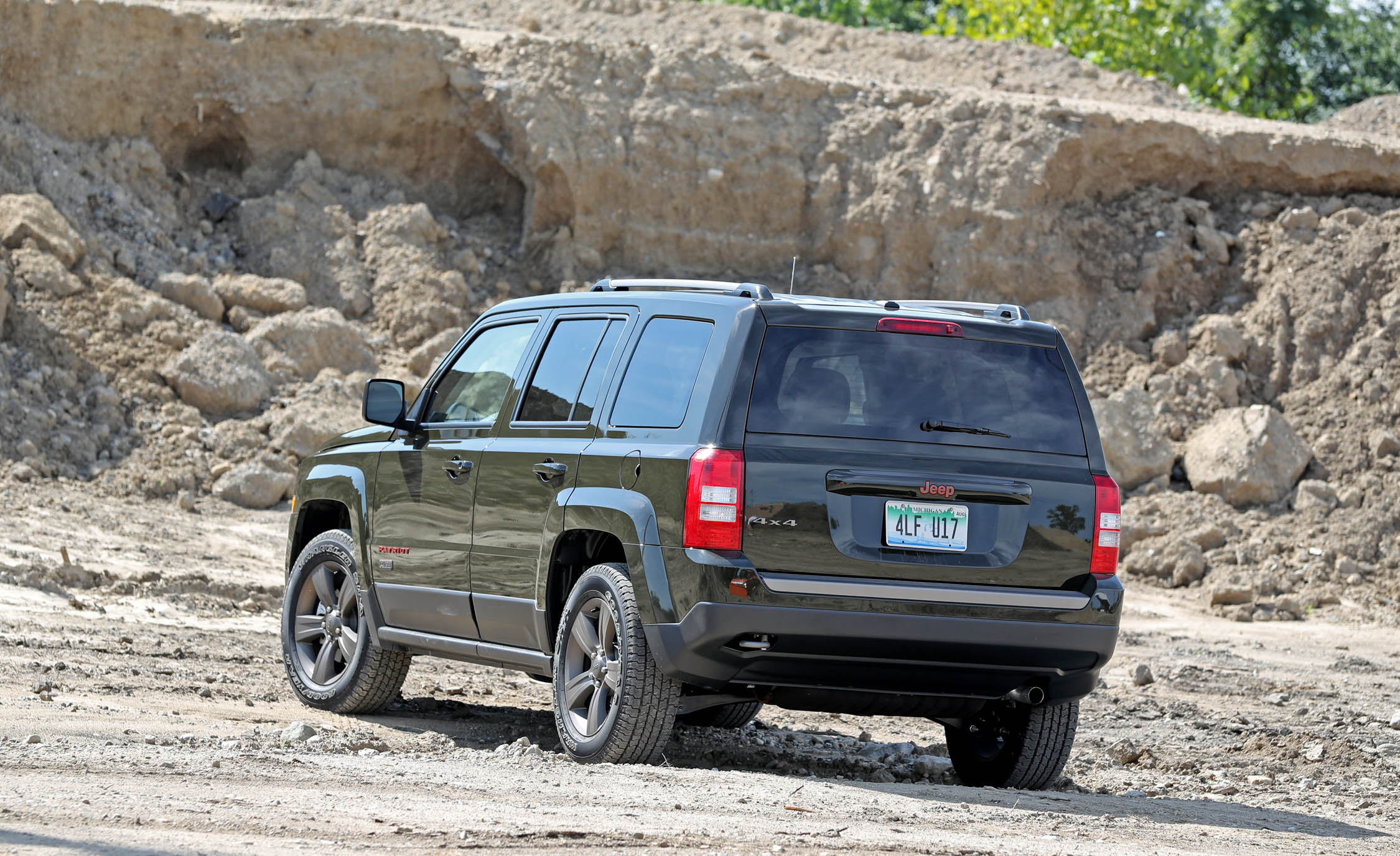 2016 Jeep Patriot Exterior Rear And Side (Photo 6 of 27)
