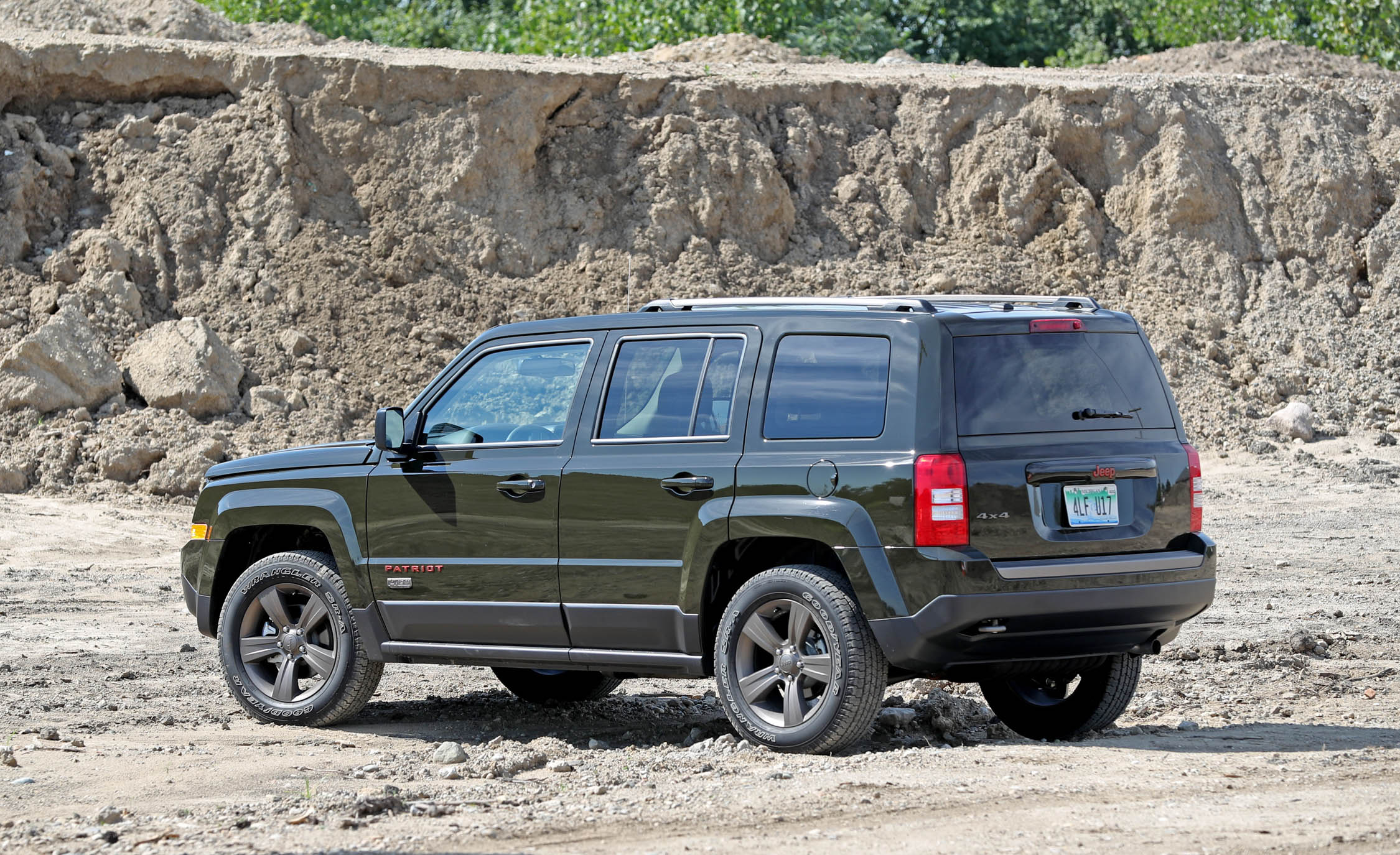 2016 Jeep Patriot Exterior Side And Rear (Photo 10 of 27)