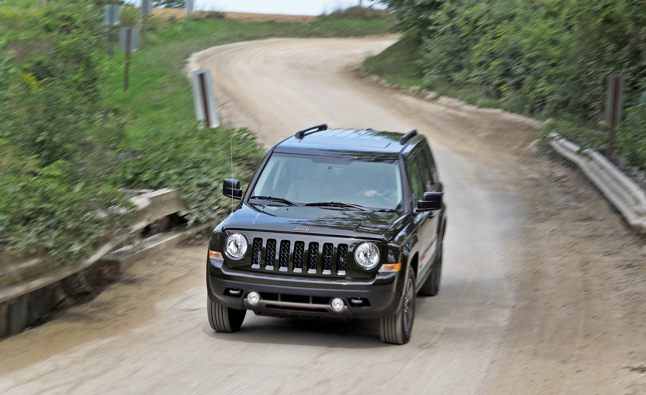 2016 Jeep Patriot Test Drive Front View (Photo 19 of 27)