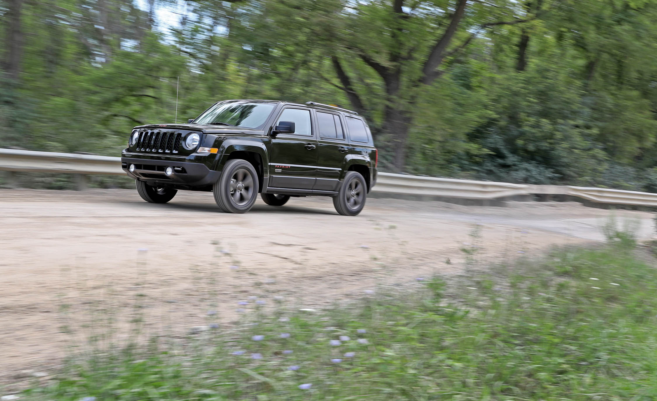 2016 Jeep Patriot Test Drive Off Road (Photo 20 of 27)