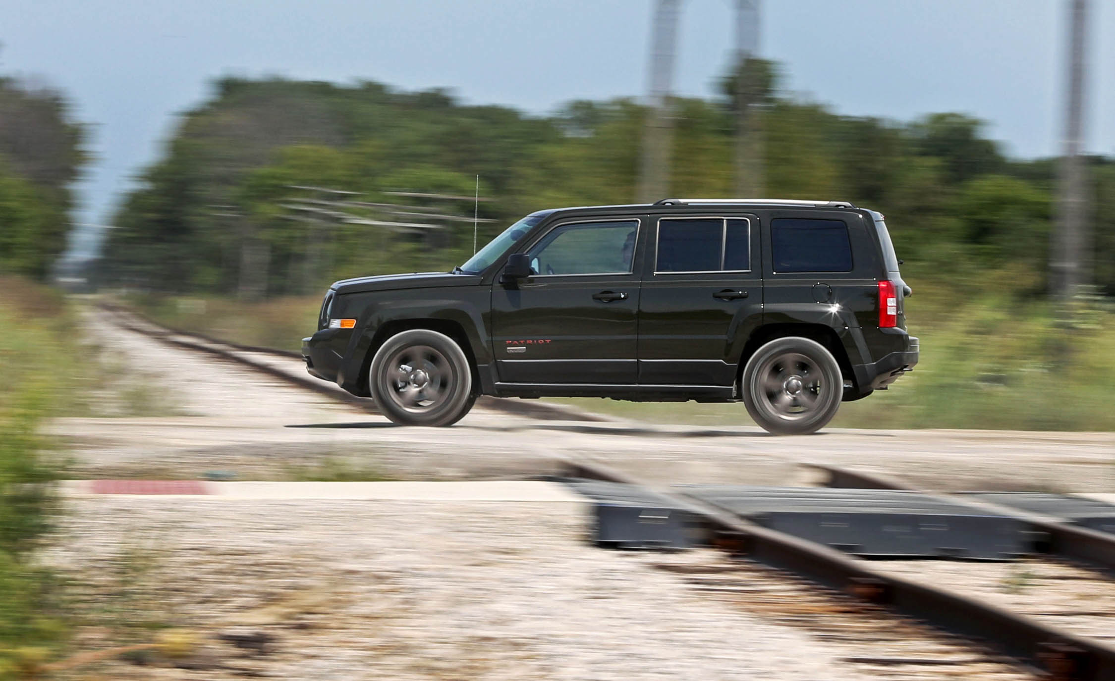 2016 Jeep Patriot Test Drive Side View (Photo 26 of 27)