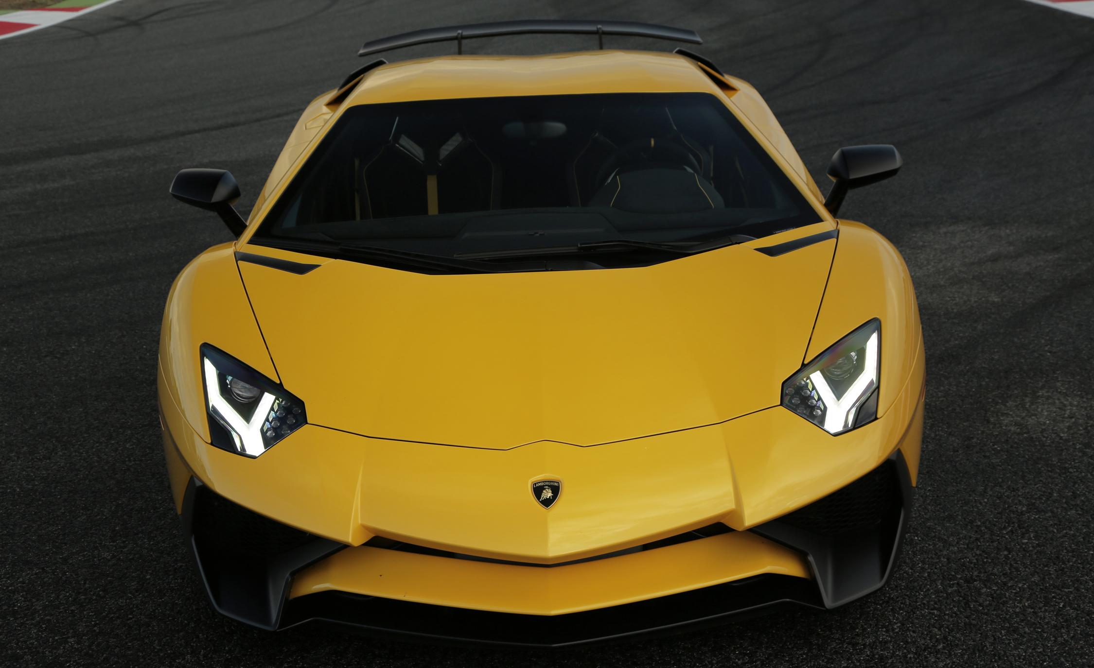 2016 Lamborghini Aventador LP750 4 SV (Photo 5 of 48)