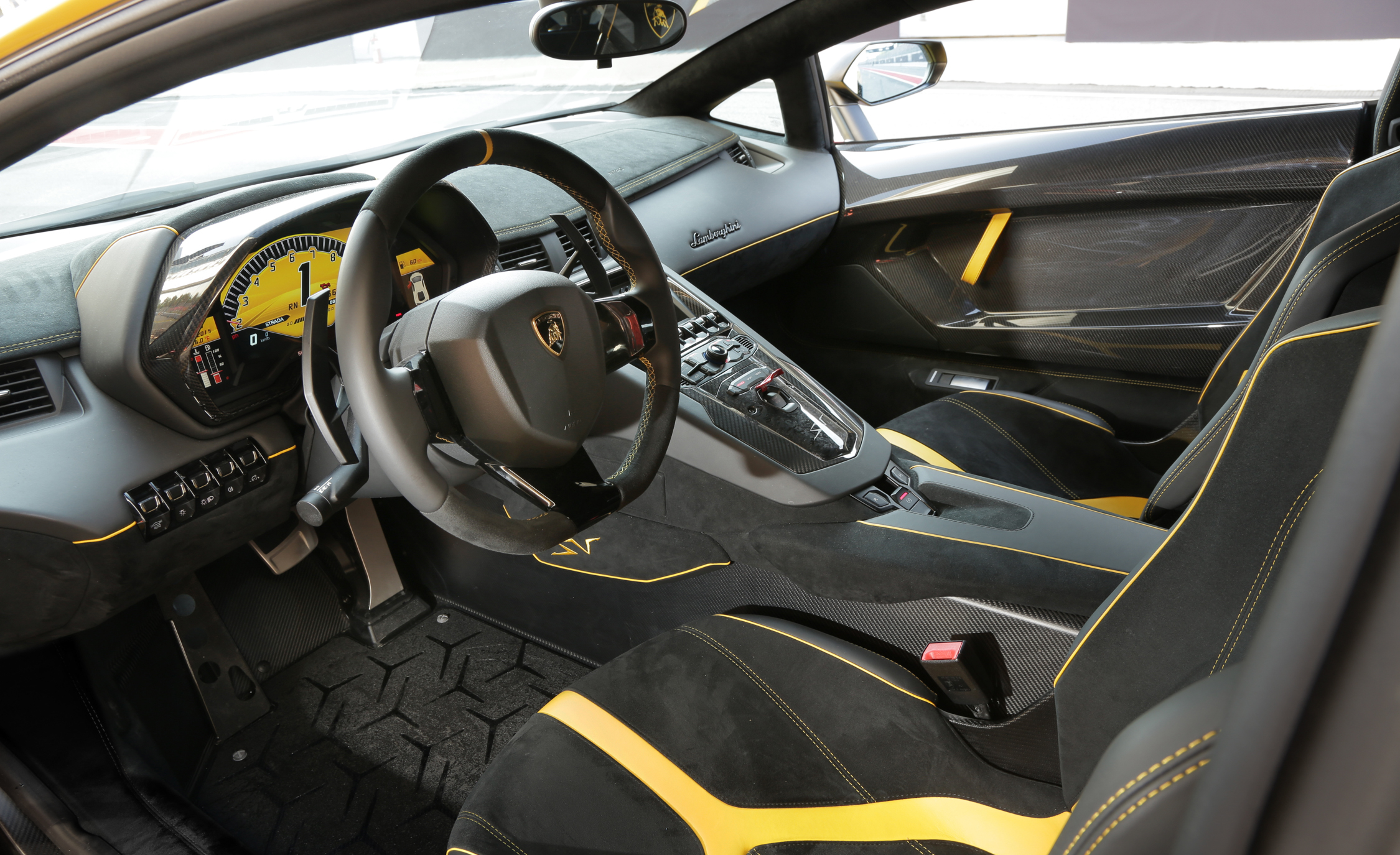 2016 Lamborghini Aventador LP750 4 SV (Photo 3 of 48)
