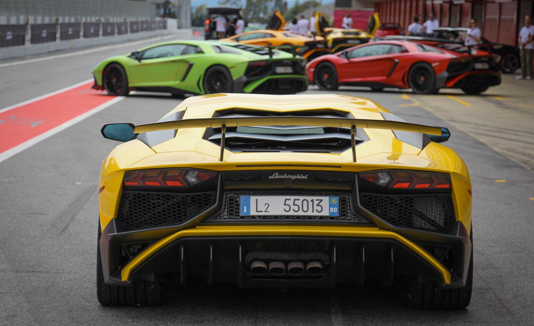 2016 Lamborghini Aventador LP750 4 SV (Photo 20 of 48)