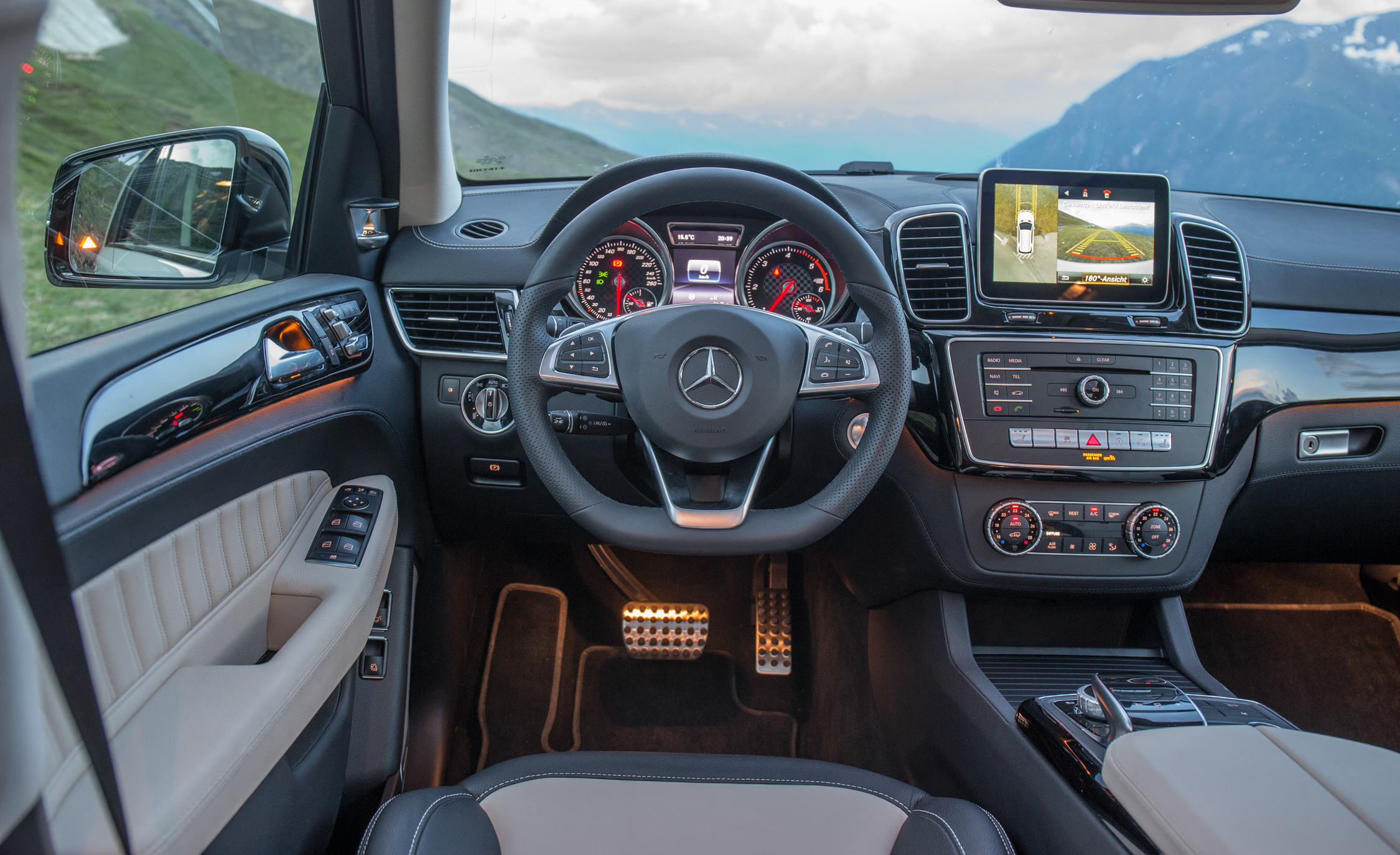 2016 Mercedes Benz GLE400 4MATIC (Photo 23 of 43)