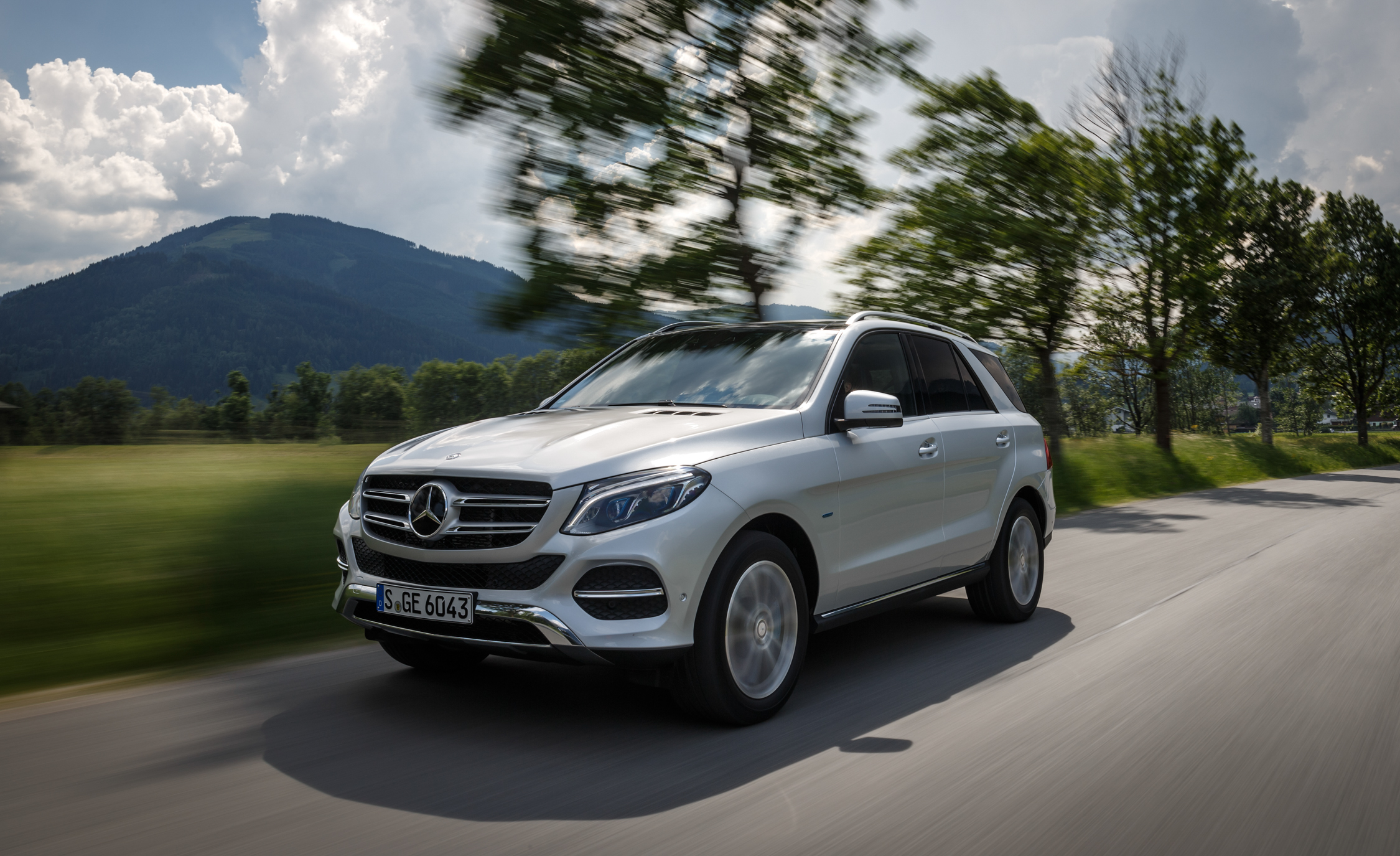2016 Mercedes Benz GLE500e 4MATIC (View 39 of 43)