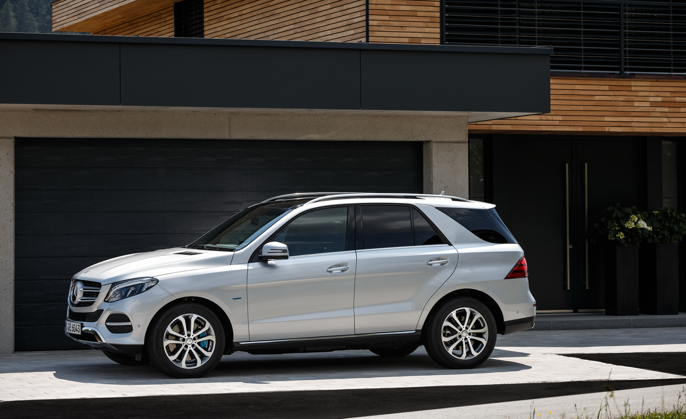 2016 Mercedes Benz GLE500e 4MATIC (View 21 of 43)