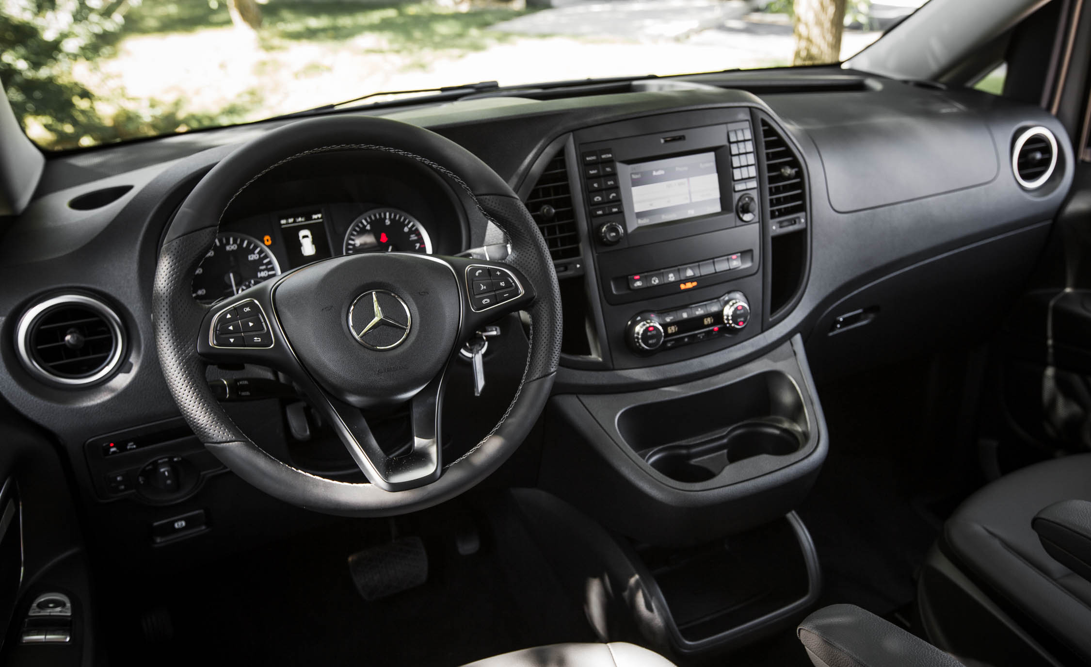 2016 Mercedes Benz Metris (Photo 4 of 30)