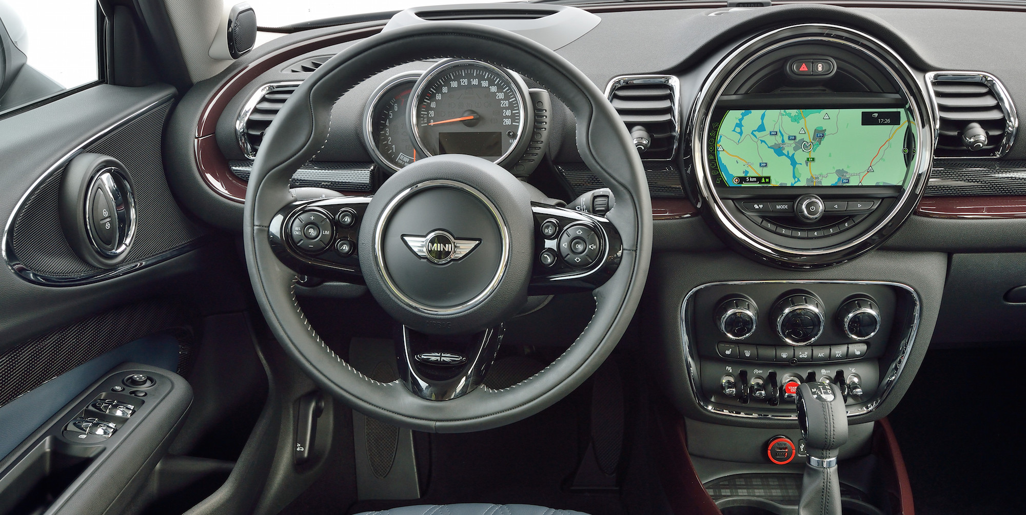 2016 Mini Cooper S Clubman Cockpit Interior (Photo 4 of 17)