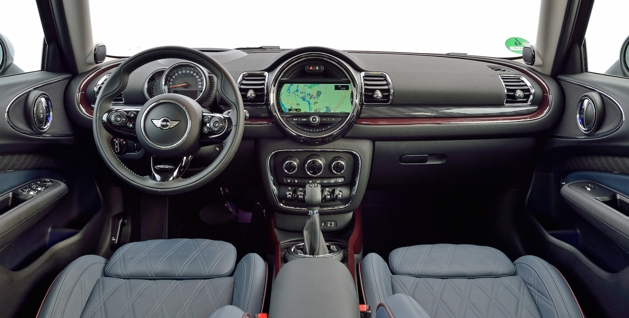 2016 Mini Cooper S Clubman Dashboard Interior (View 12 of 17)