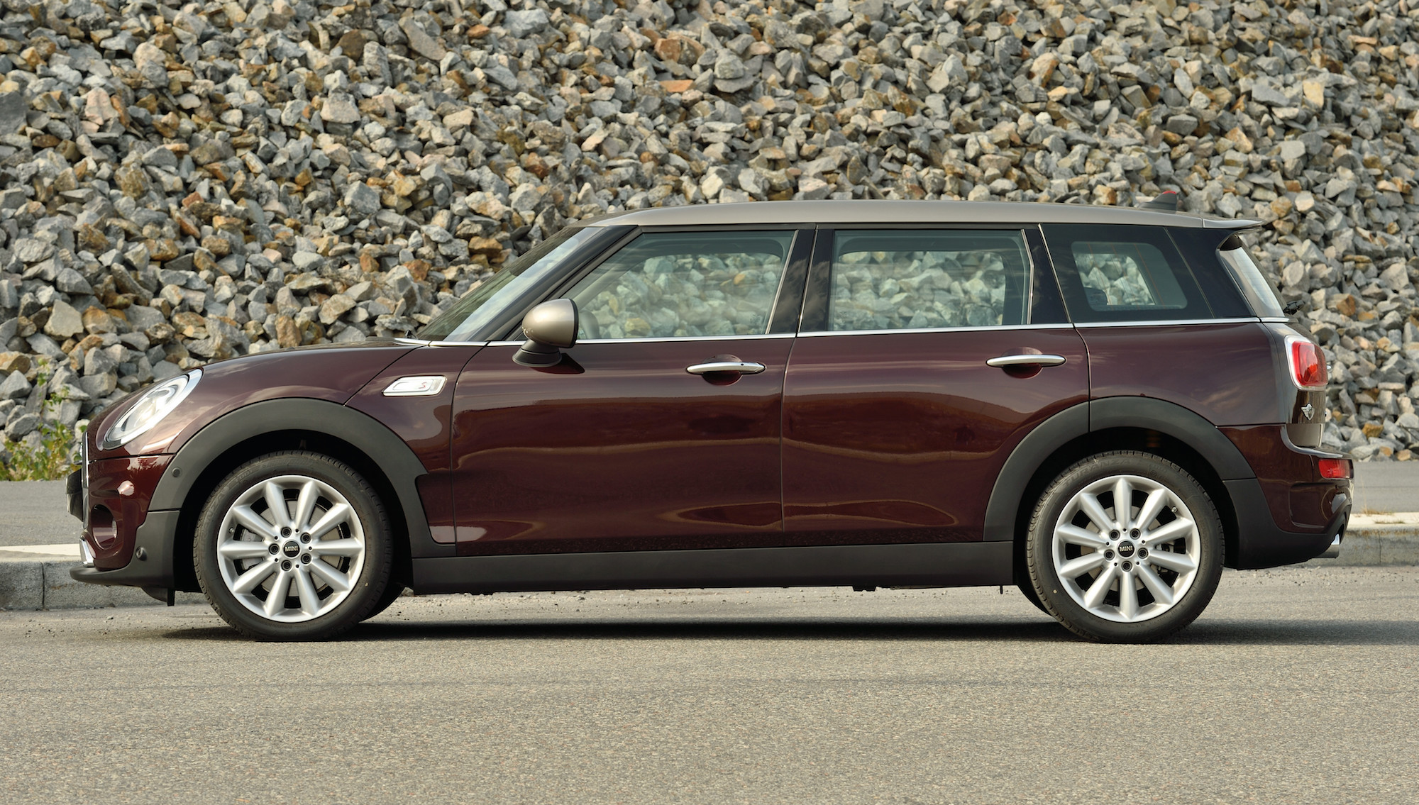 2016 Mini Cooper S Clubman Side End (View 4 of 17)
