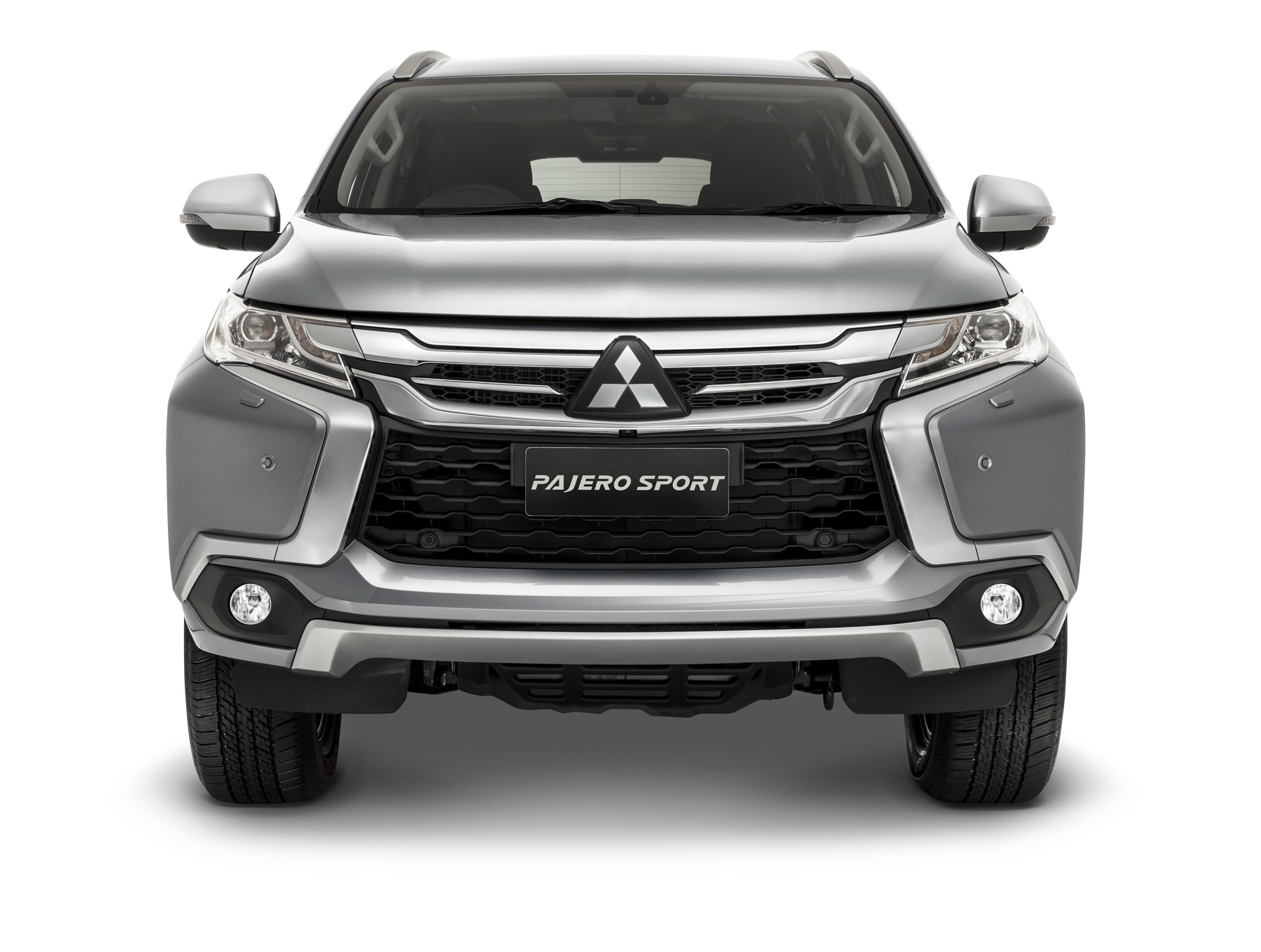 2016 Mitsubishi Pajero Sport Front (Photo 7 of 23)