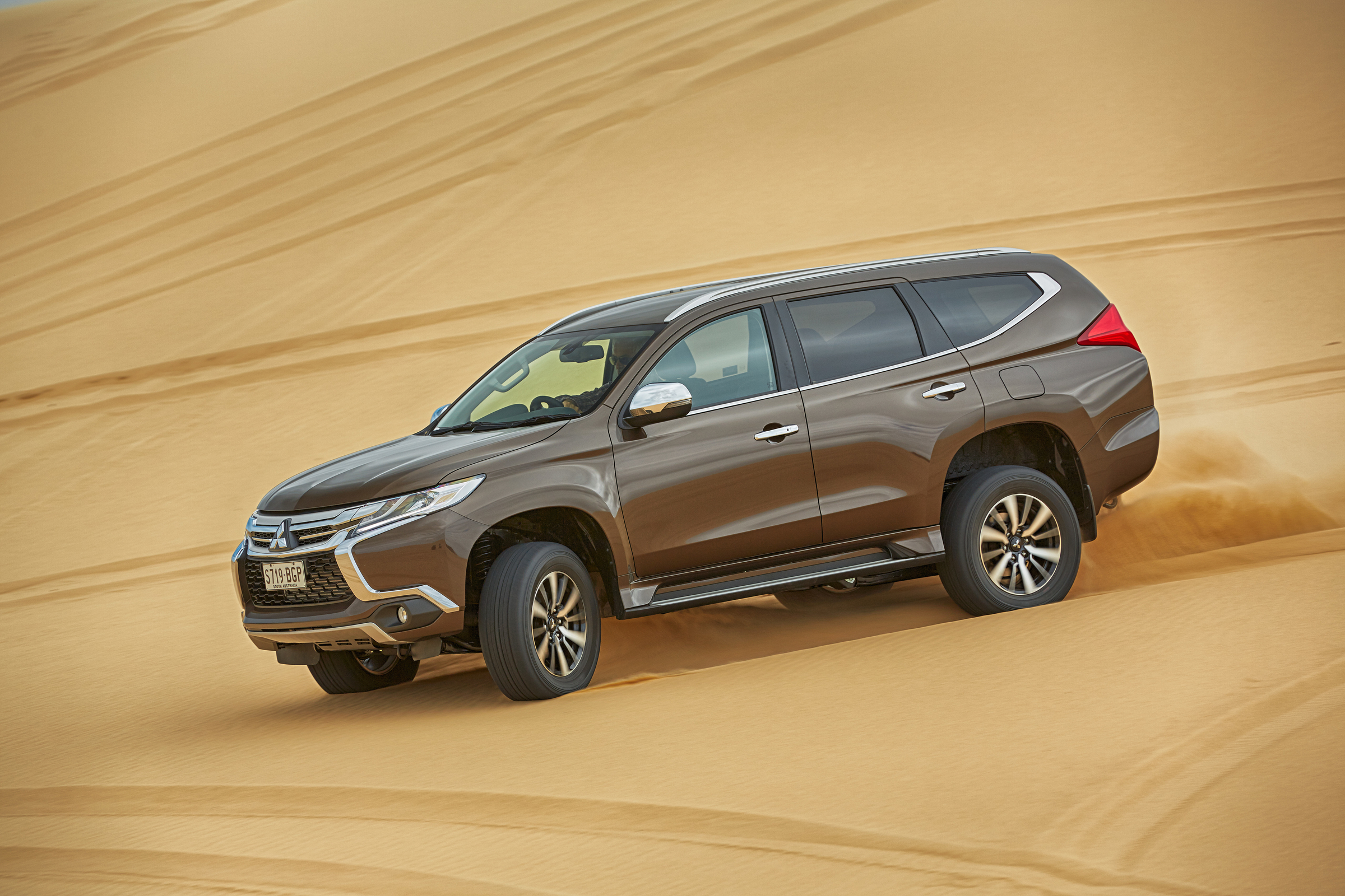 2016 Mitsubishi Pajero Sport Off Road Performance (Photo 12 of 23)