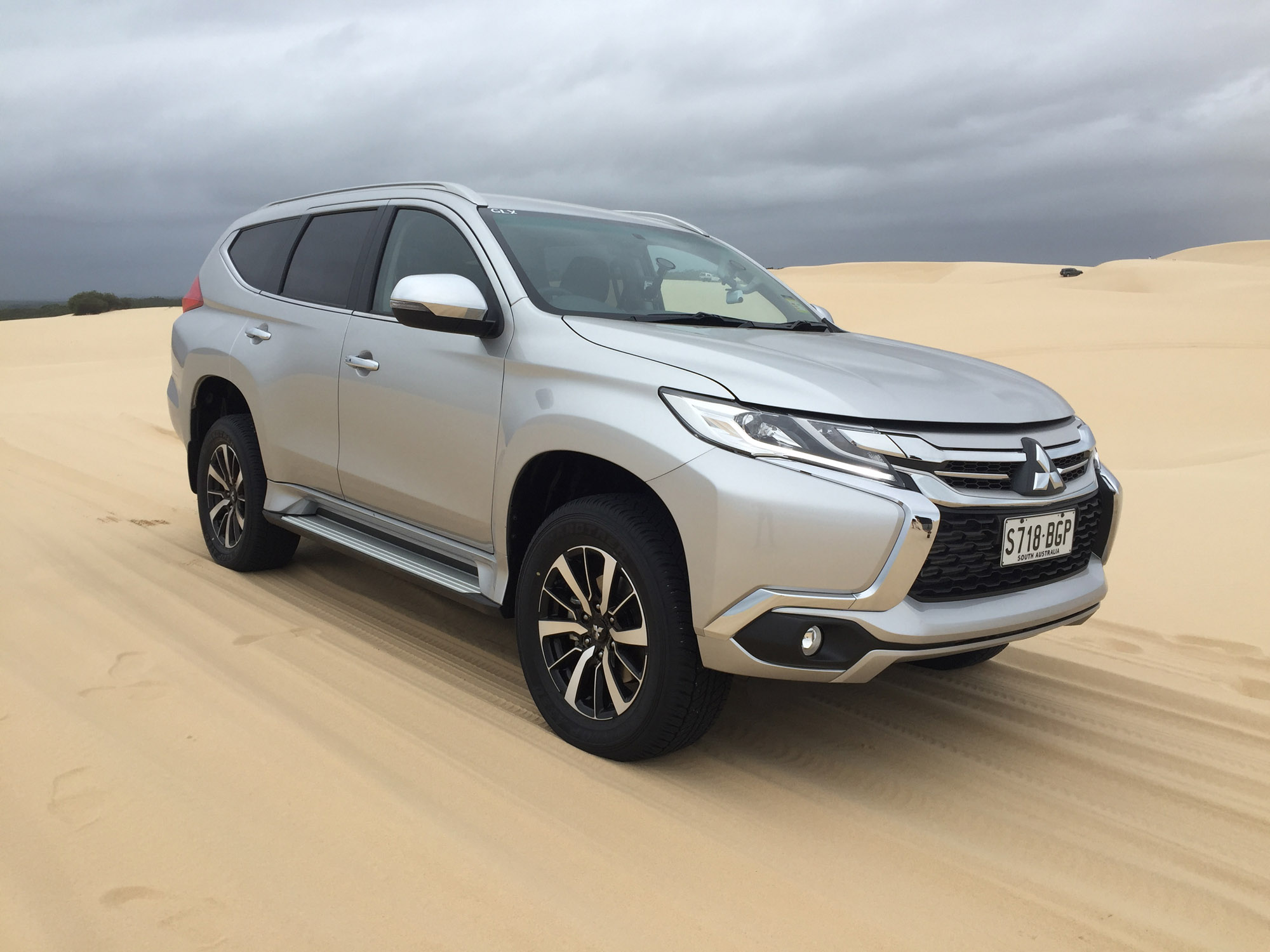 Featured Image of 2016 Mitsubishi Pajero Sport
