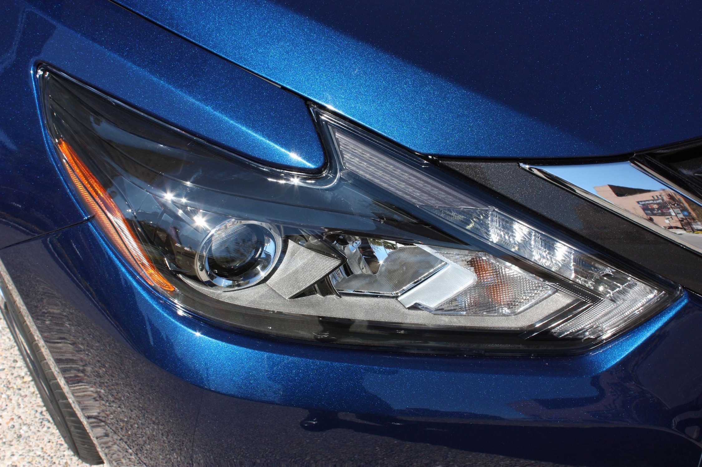 2016 Nissan Altima Exterior Headlight (Photo 16 of 20)