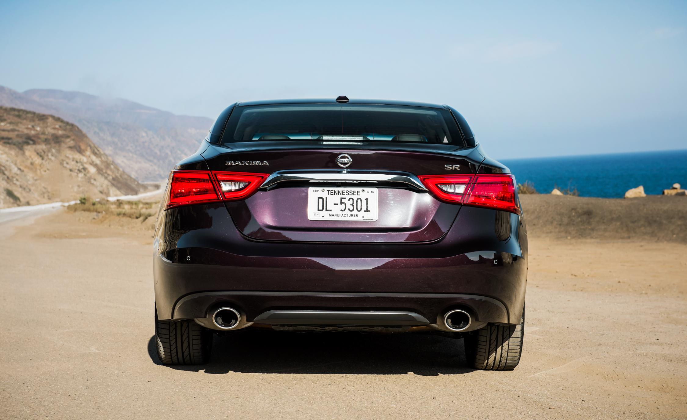 2016 Nissan Maxima SR (View 14 of 23)