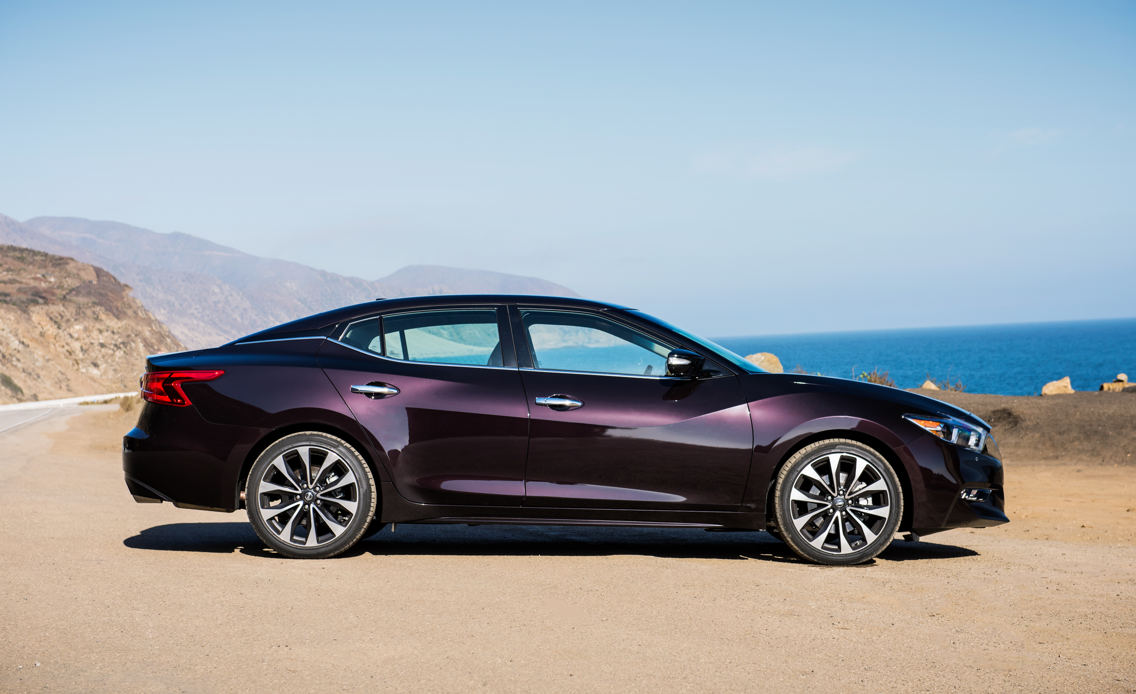 2016 Nissan Maxima SR (Photo 15 of 23)