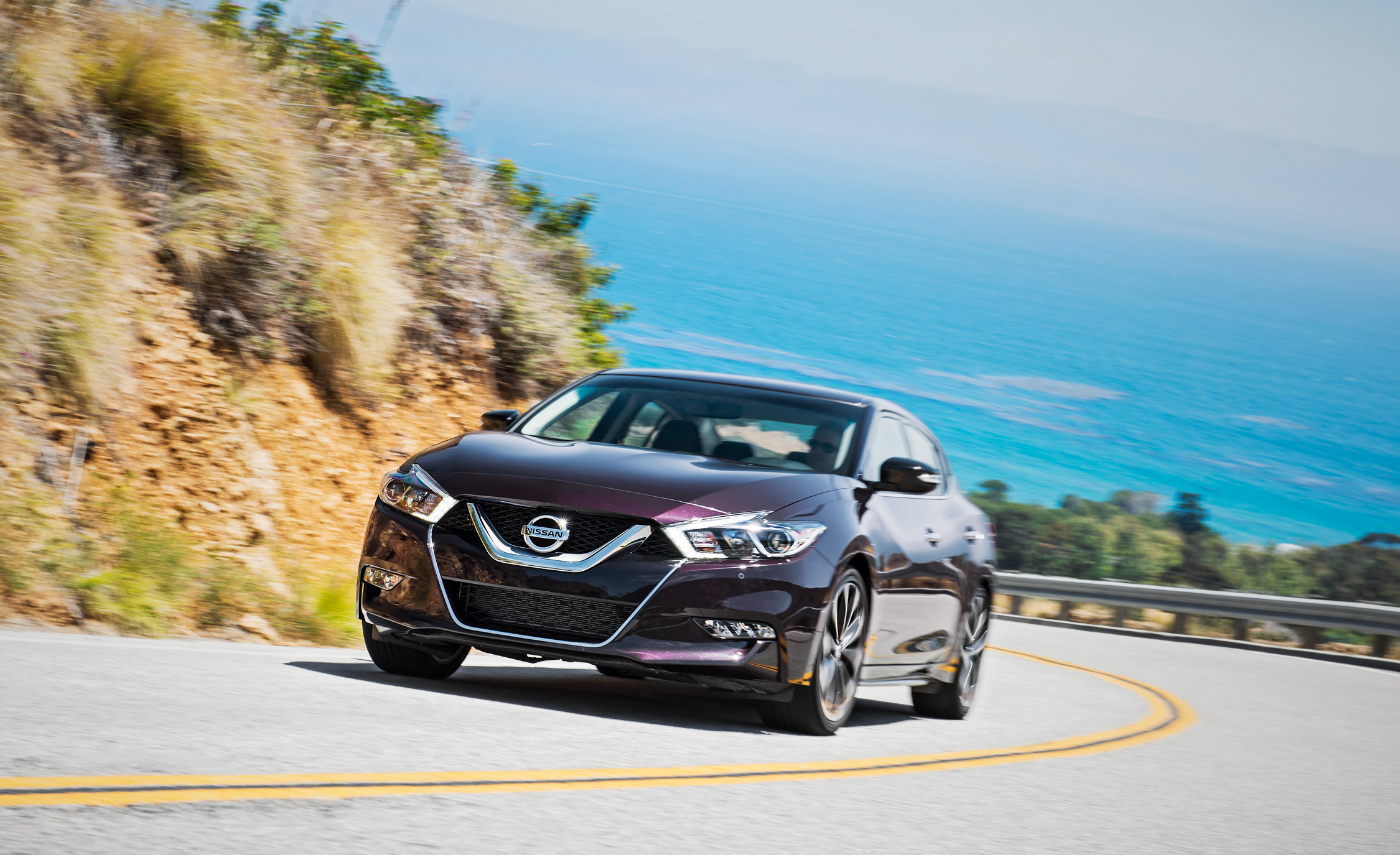 2016 Nissan Maxima SR (Photo 7 of 23)