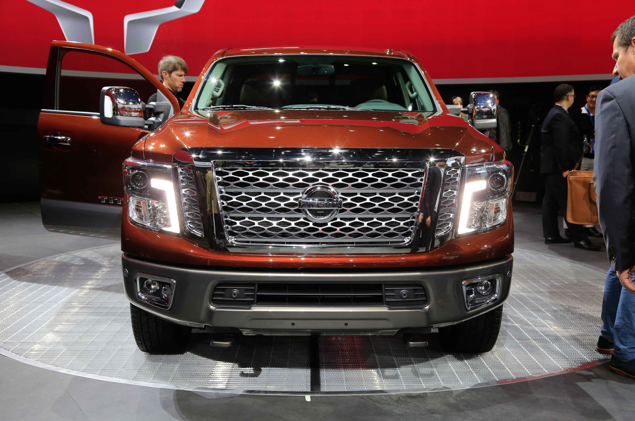 2016 Nissan Titan Front Grille Photo (View 5 of 10)