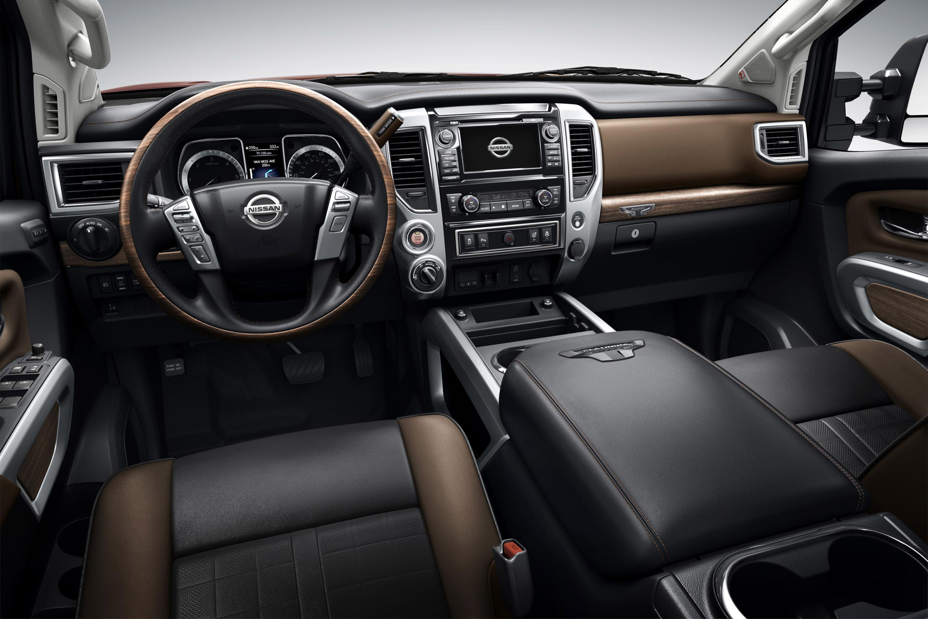 2016 Nissan Titan Xd Front Interior Cockpit (View 1 of 10)