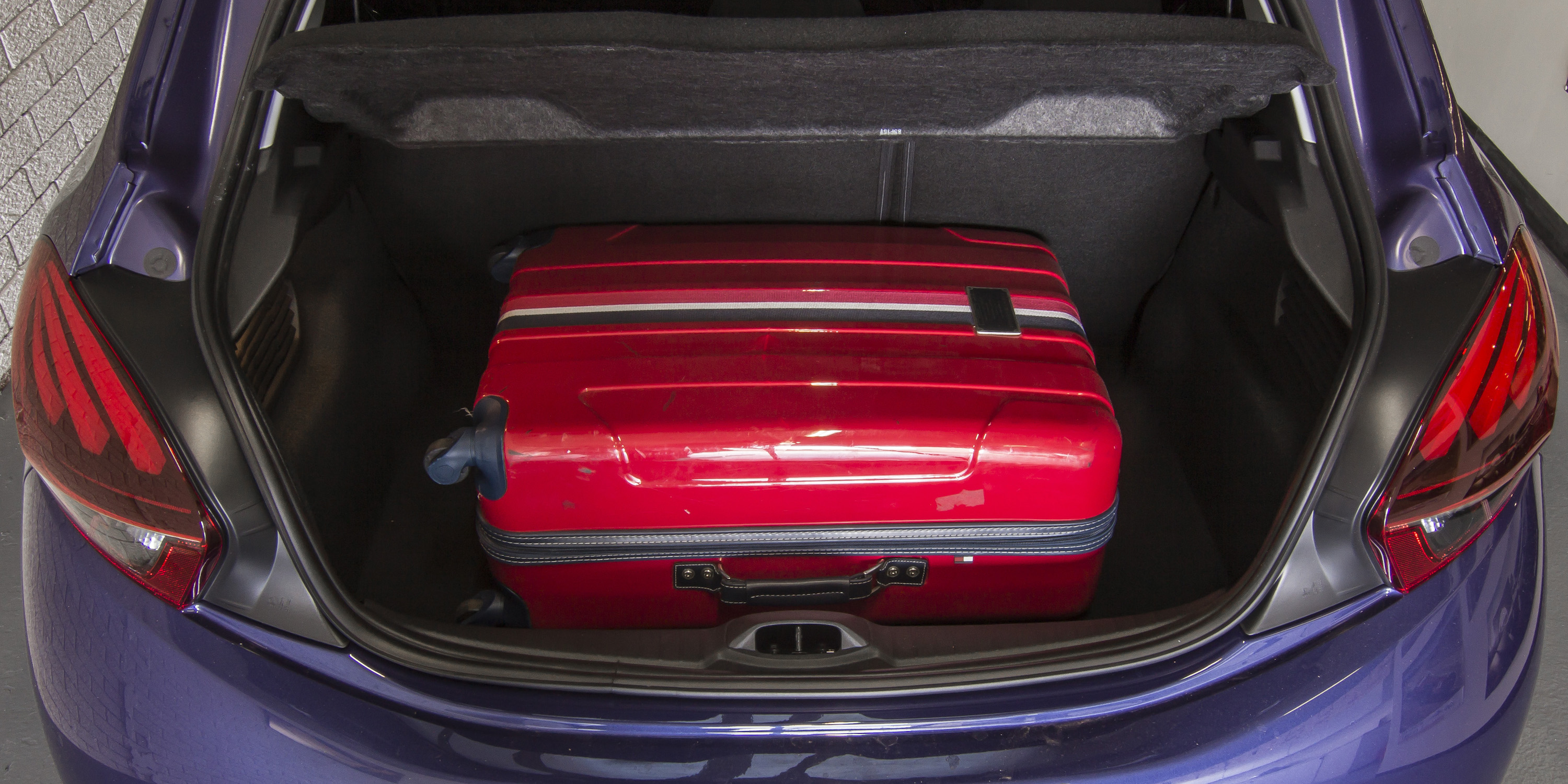 2016 Peugeot 208 Active Trunk Capacity (Photo 15 of 16)