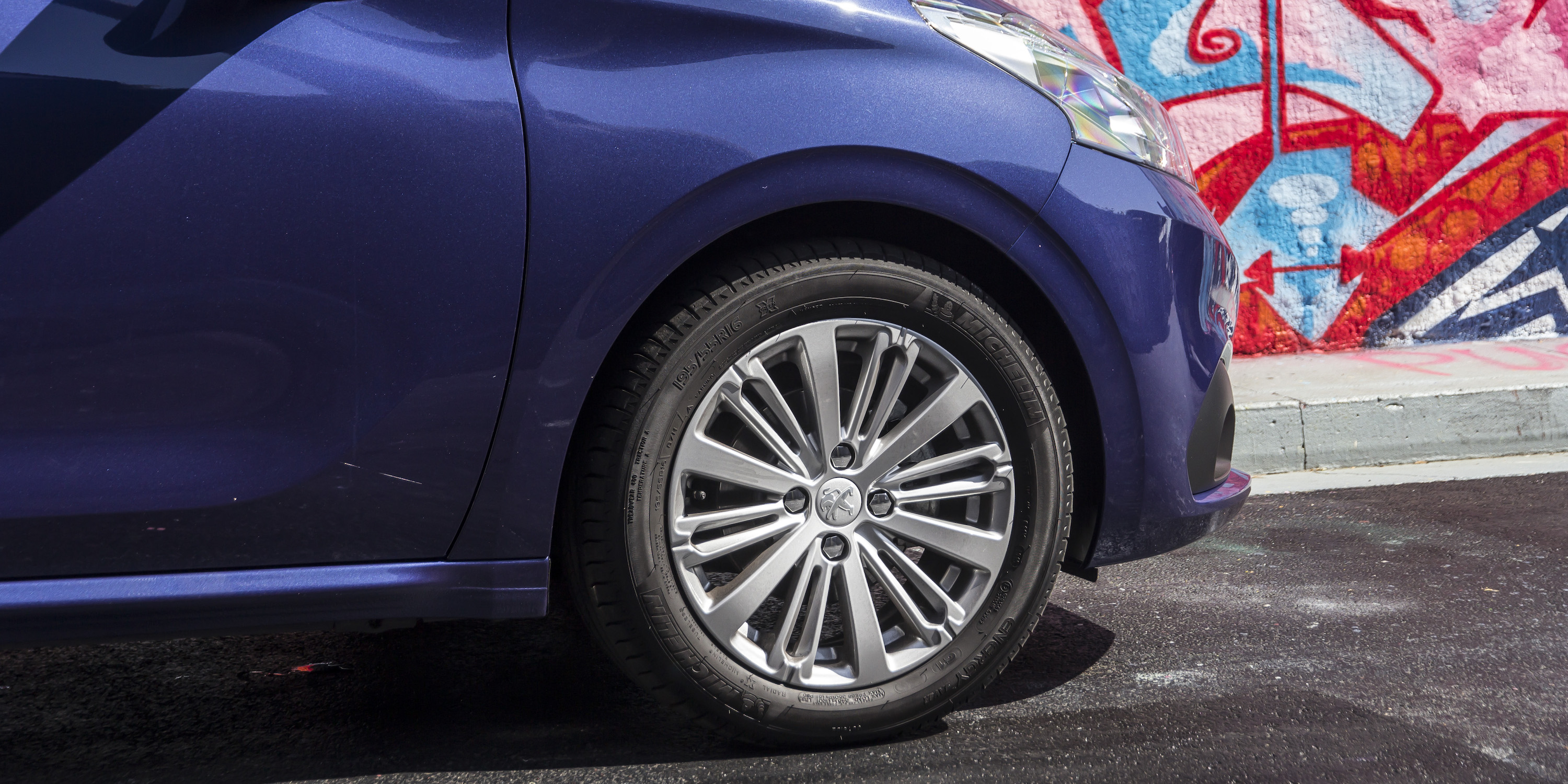 2016 Peugeot 208 Active Wheel (Photo 16 of 16)