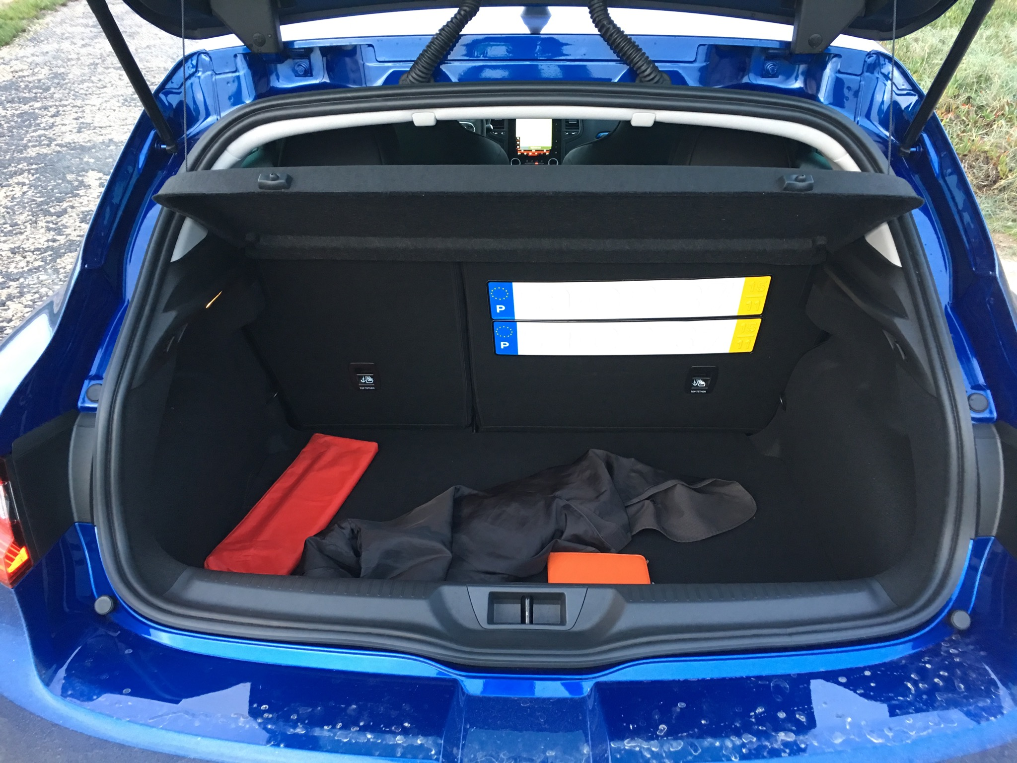 2016 Renault Megane Gt Trunk Space (Photo 14 of 27)