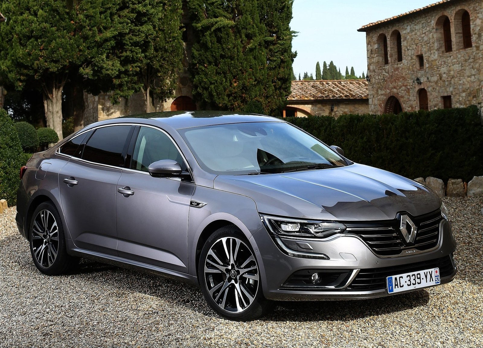 Featured Image of 2016 Renault Talisman