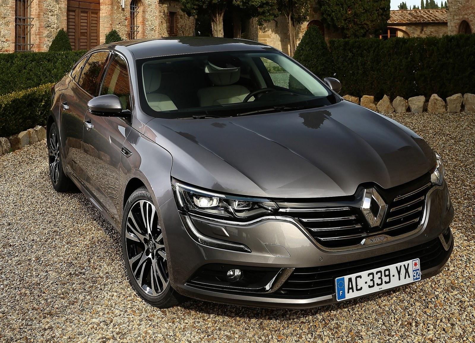 2016 Renault Talisman Front View (View 12 of 14)