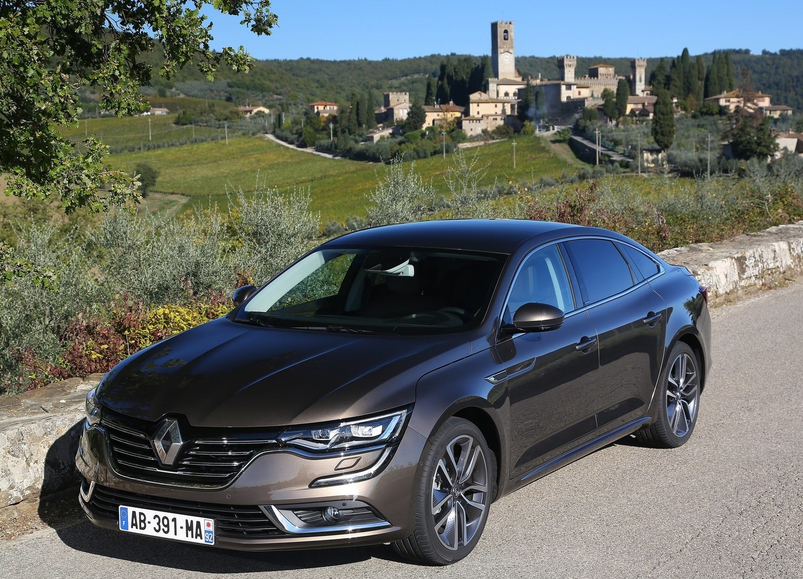 2016 renault talisman cars exclusive videos and photos updates. Black Bedroom Furniture Sets. Home Design Ideas